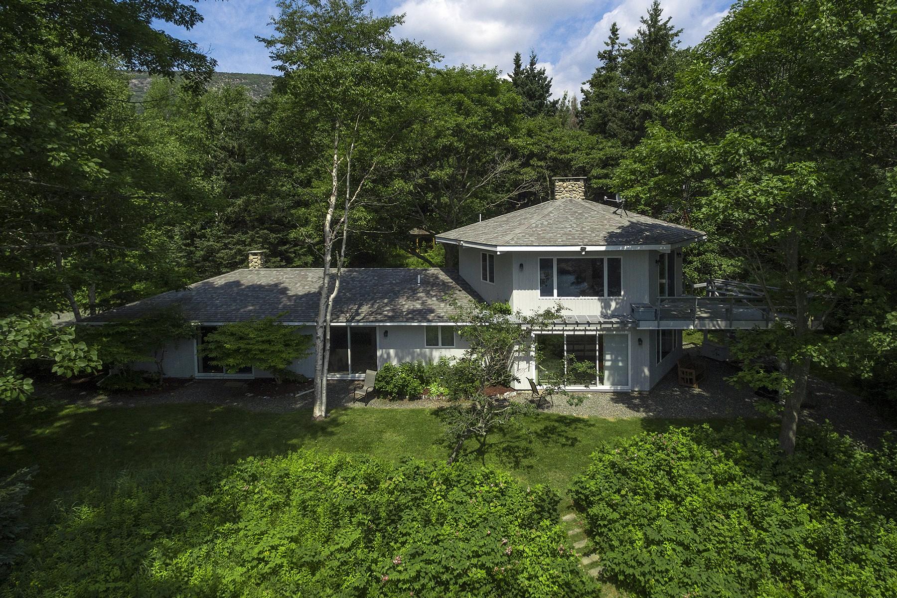 独户住宅 为 销售 在 Carie's Cove 450 Schooner Head Road 巴尔港, 缅因州, 04609 美国