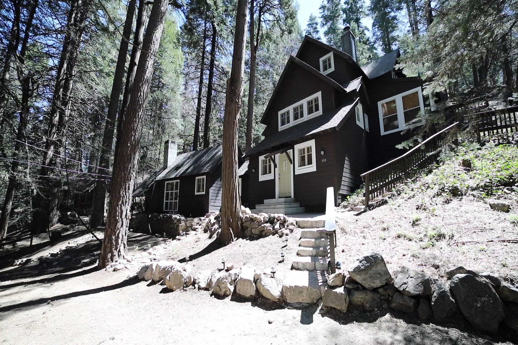 Single Family Homes for Active at 533 Cottage Grove Road, Lake Arrowhead, California 92352 533 Cottage Grove Road Lake Arrowhead, California 92352 United States