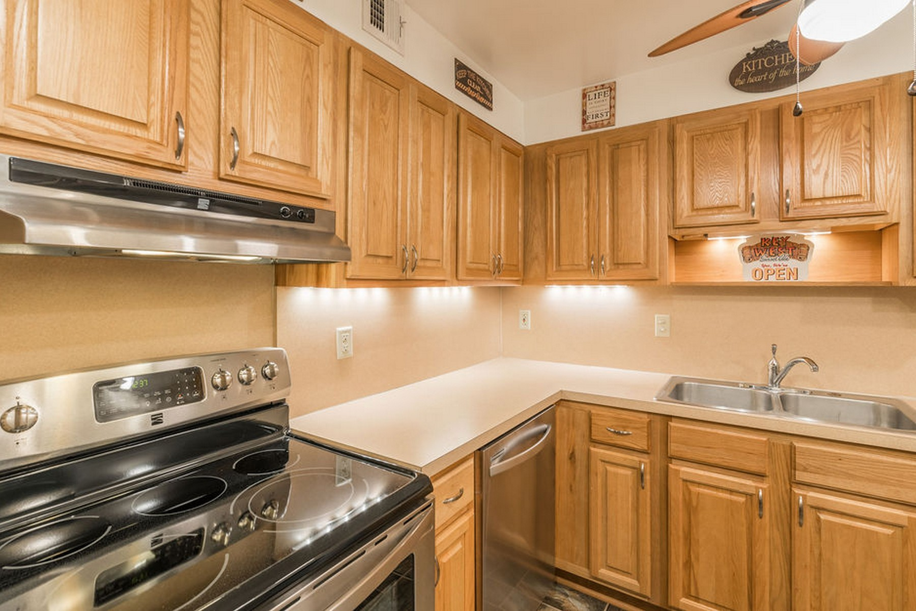 Additional photo for property listing at Palm Colony Club 2700 Highway A1A #3-201 Indialantic, Florida 32903 United States