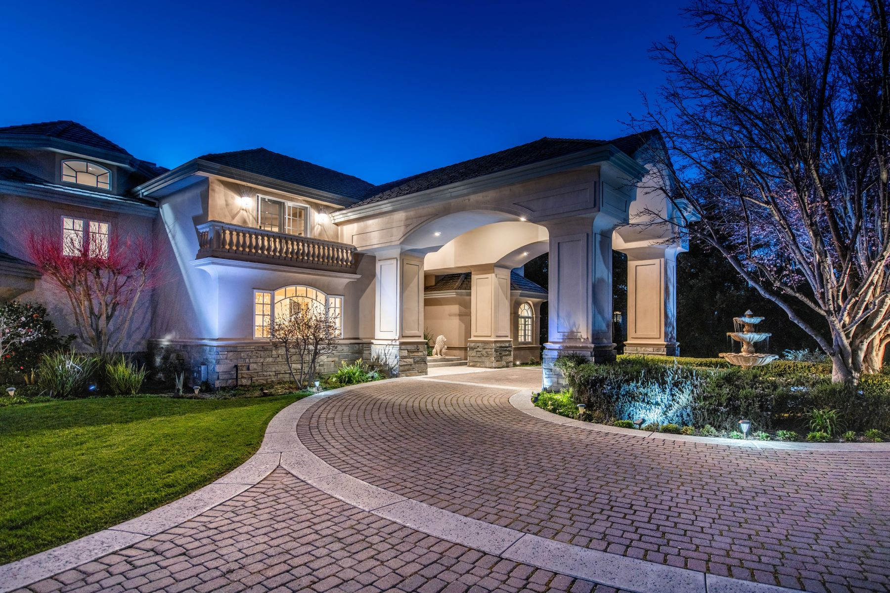 Single Family Home for Active at Exceptional Estate Close To Town 13981 Fremont Pines Lane Los Altos Hills, California 94022 United States