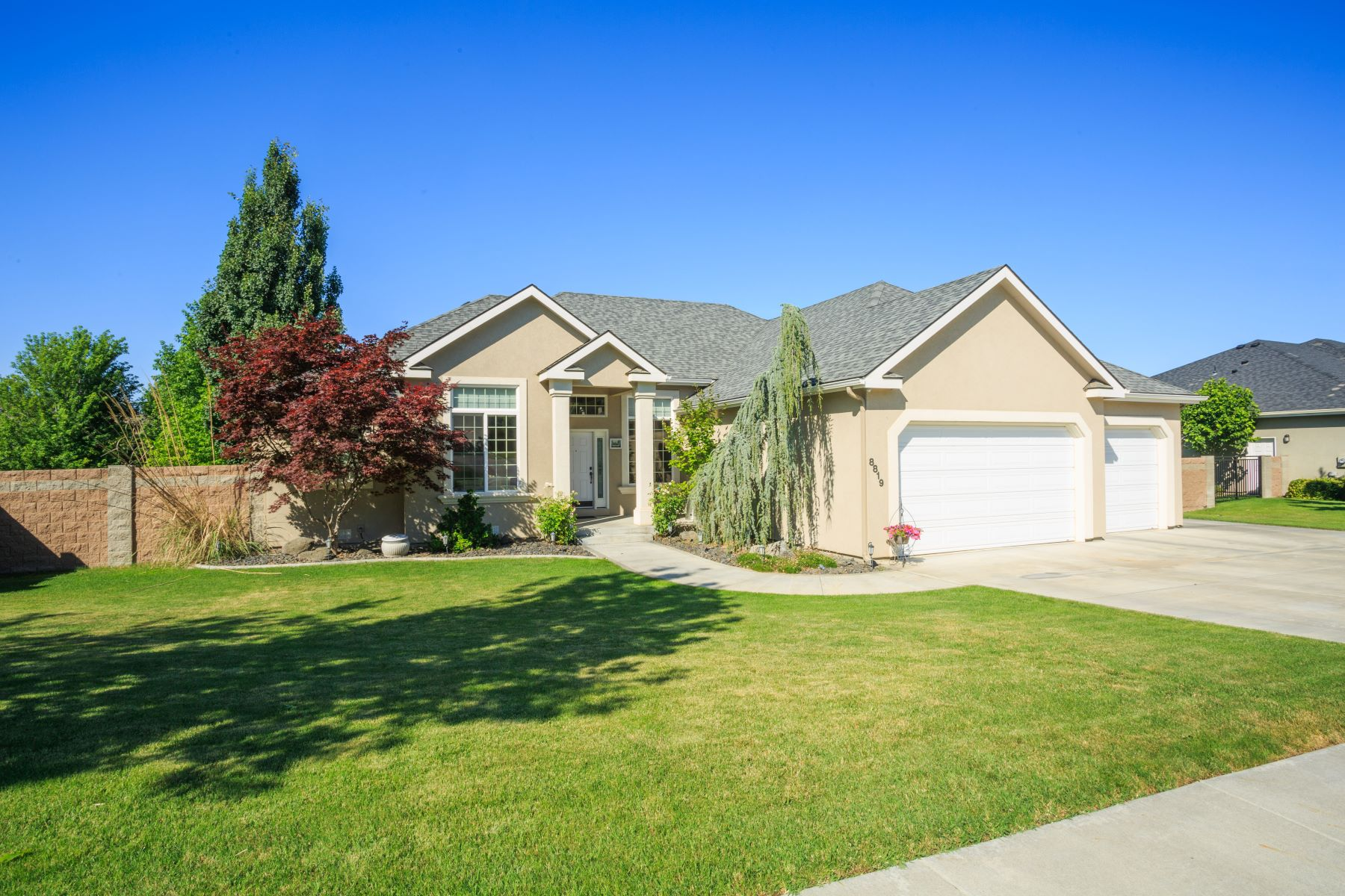 Single Family Home for Sale at Wonderful rambler basement in Hansen Park! 8819 W. 3rd Ave Kennewick, Washington 99336 United States