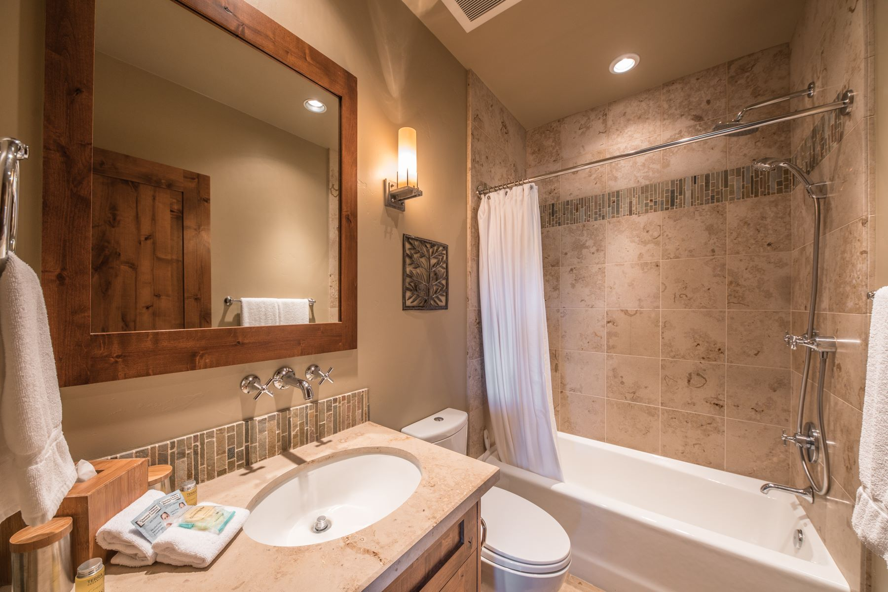 Additional photo for property listing at 14000 Trailside Loop #1 14000 Trailside Loop #1 Truckee, California 96161 United States