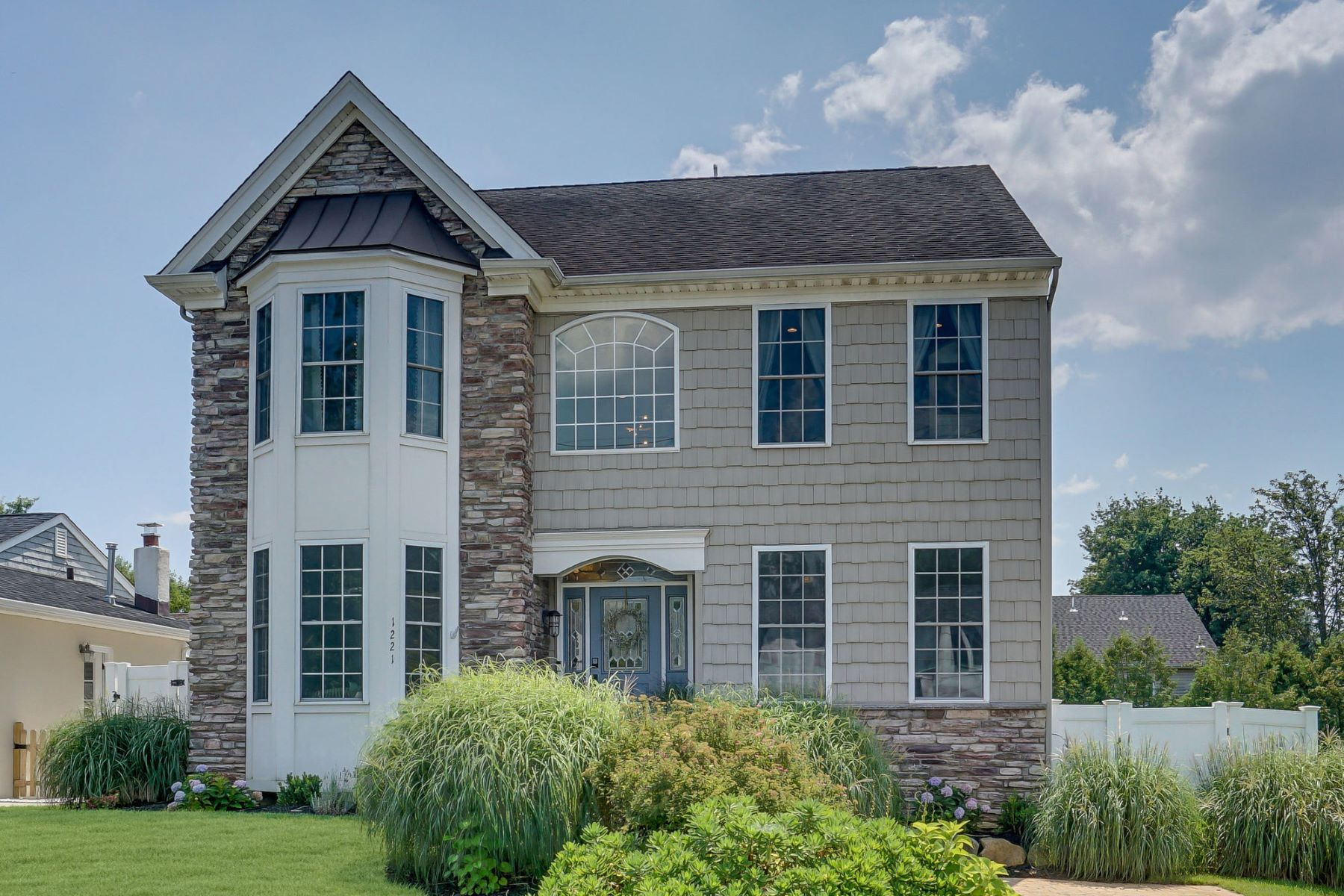 Single Family Homes für Verkauf beim Highly Desirable Manasquan Shores 1221 Narrumson Road, Wall, New Jersey 08736 Vereinigte Staaten