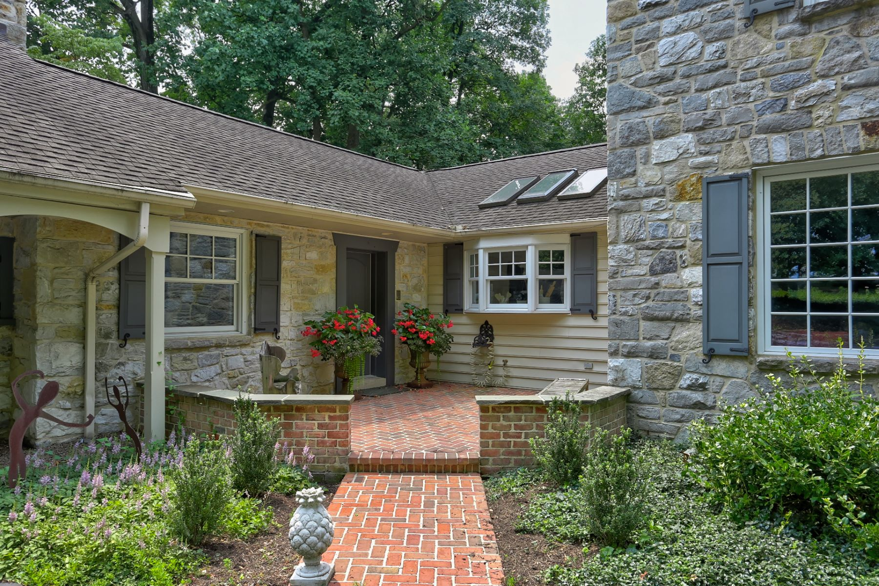 Additional photo for property listing at 23 Warwick Road  Lititz, 賓夕法尼亞州 17543 美國