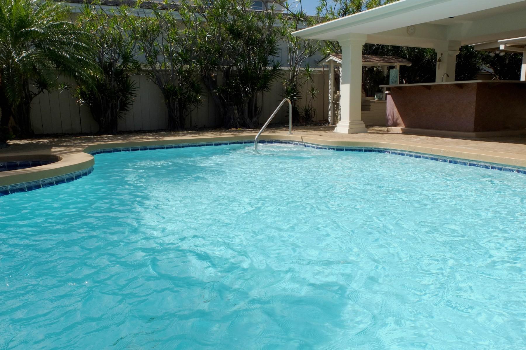 Additional photo for property listing at Desirable Kahala Home 4837 Kolohala Street Honolulu, Hawaii 96816 États-Unis