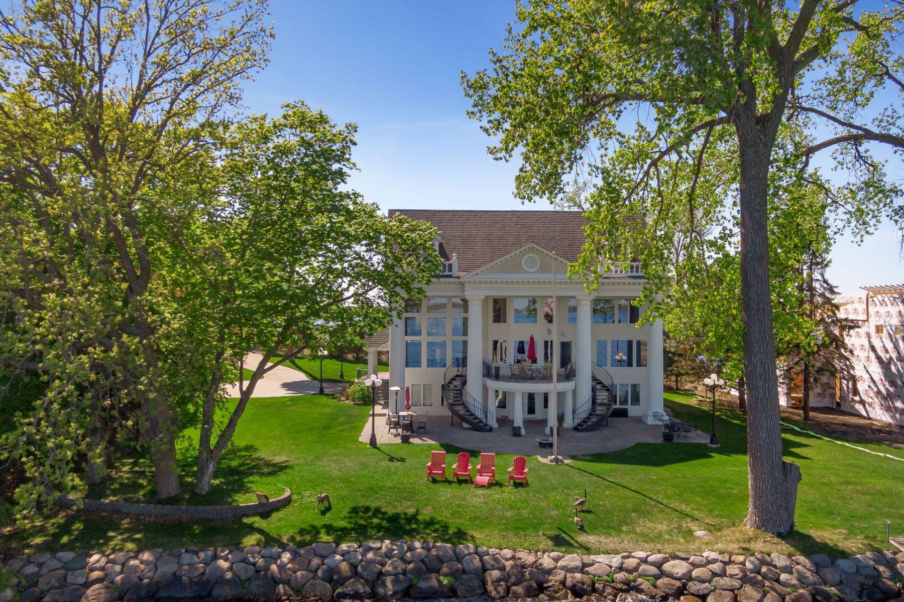 Single Family Homes por un Venta en 3860 County Road 44 Minnetrista, Minnesota 55364 Estados Unidos