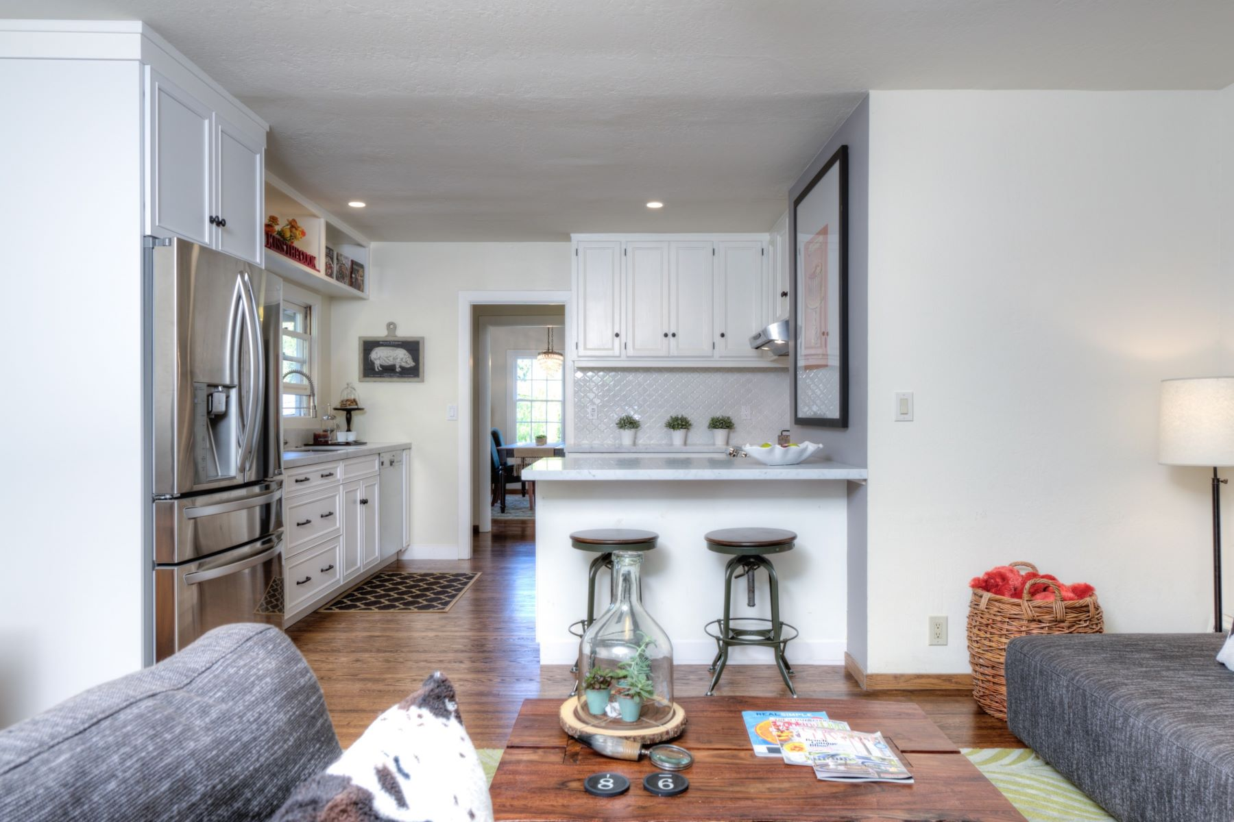 Additional photo for property listing at Live in Downtown Mill Valley 72 Lovell Ave Mill Valley, Californie 94941 États-Unis