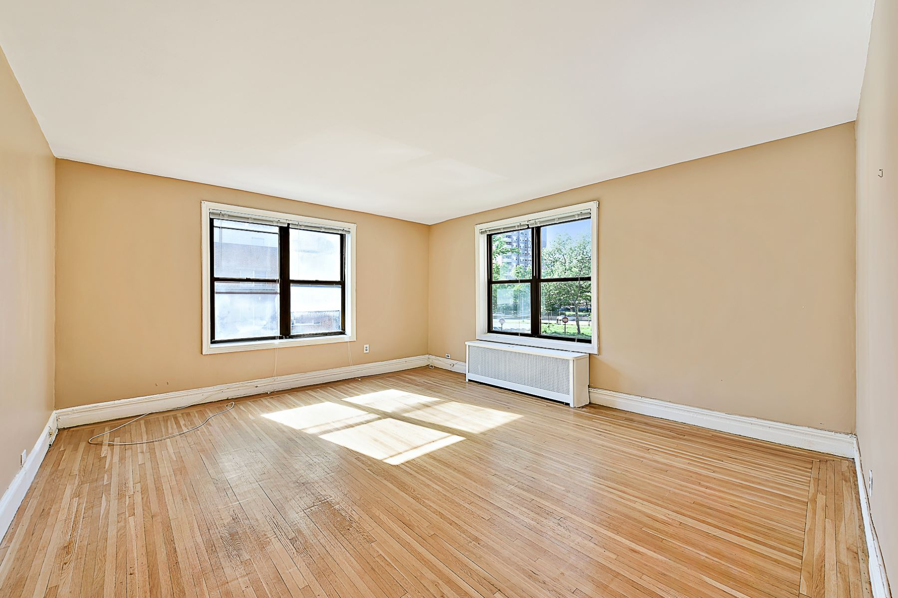 Co-op for Sale at Pre-war Corner 2 BR Layout on Johnson Avenue 3656 Johnson Avenue 2D Riverdale, New York 10463 United States