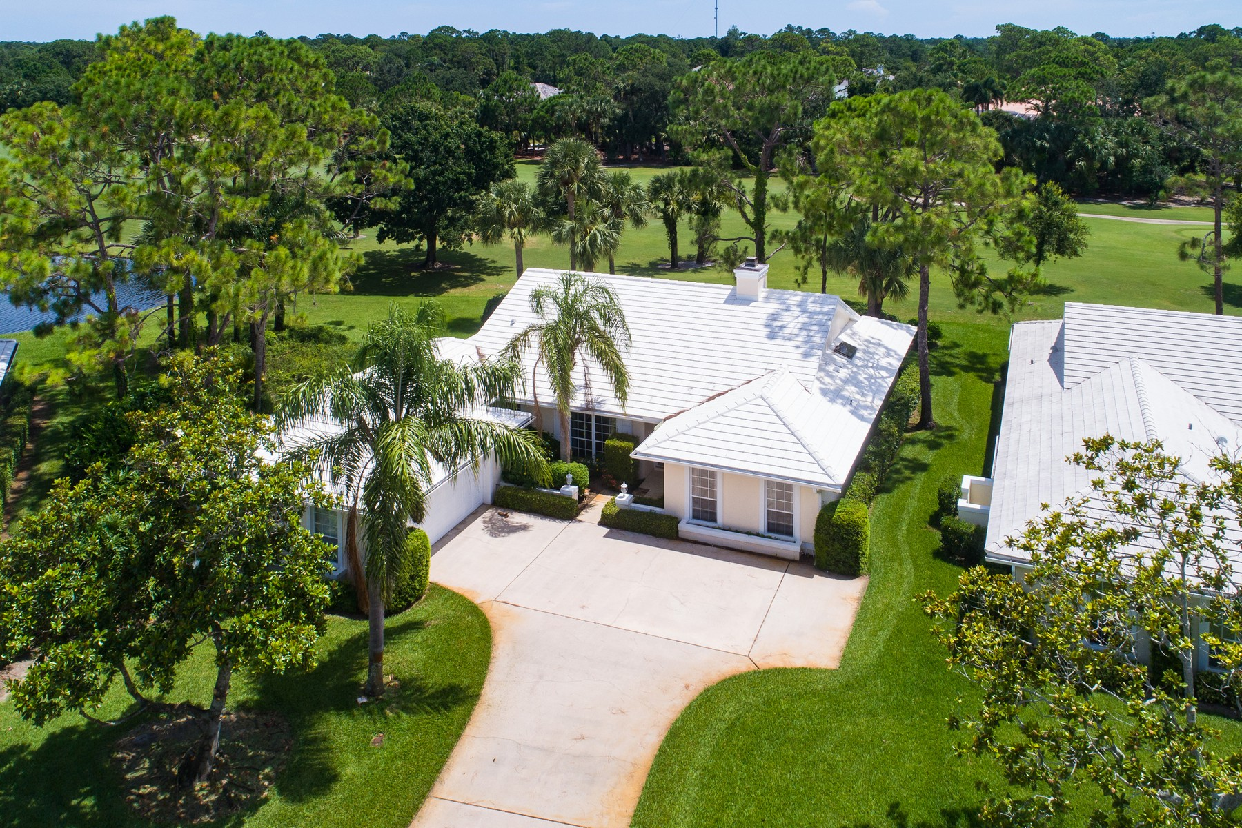 Single Family Home for Sale at Golf Villa overlooking Golf Course 5807 Magnolia Lane Vero Beach, Florida 32967 United States