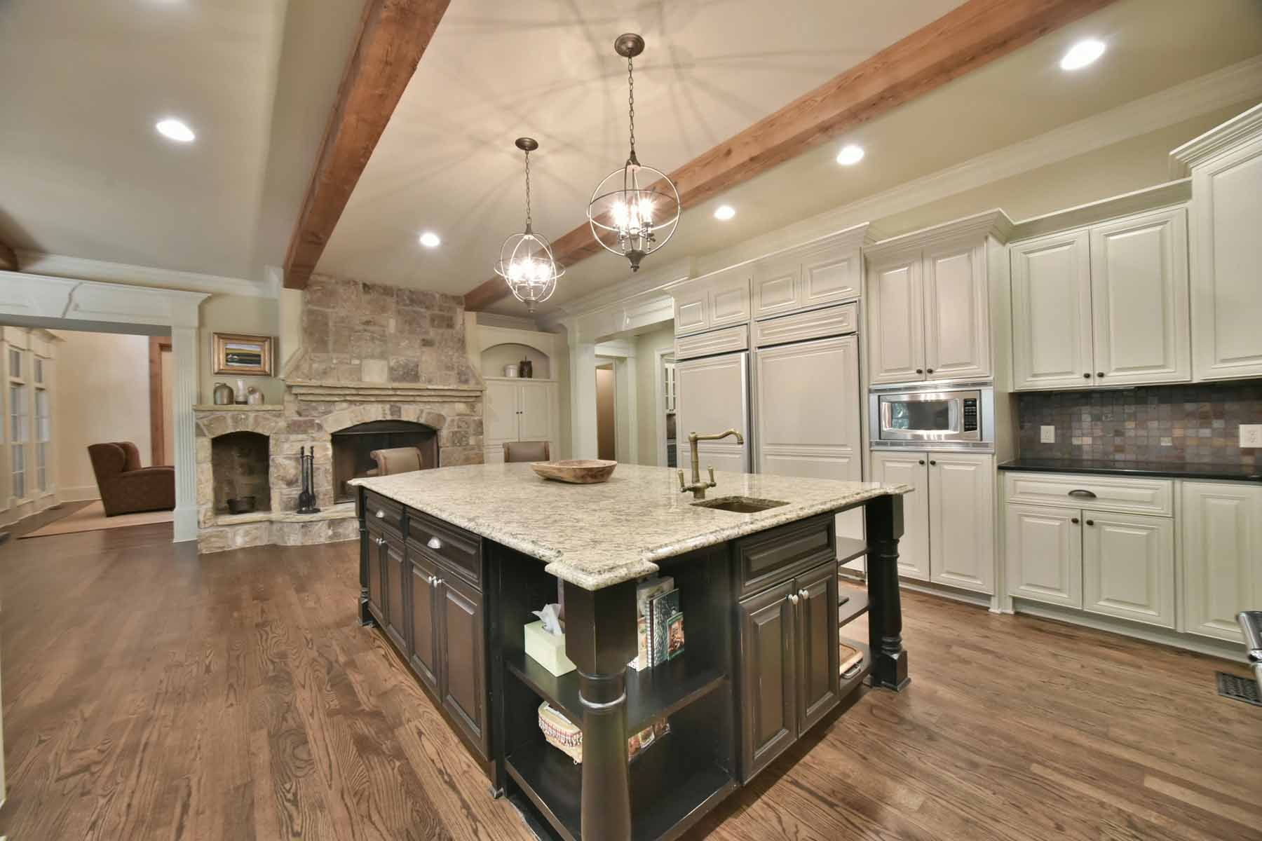 Single Family Homes のために 売買 アット Rustic Elegance at The River Club 902 Little Darby Lane, Suwanee, ジョージア 30024 アメリカ