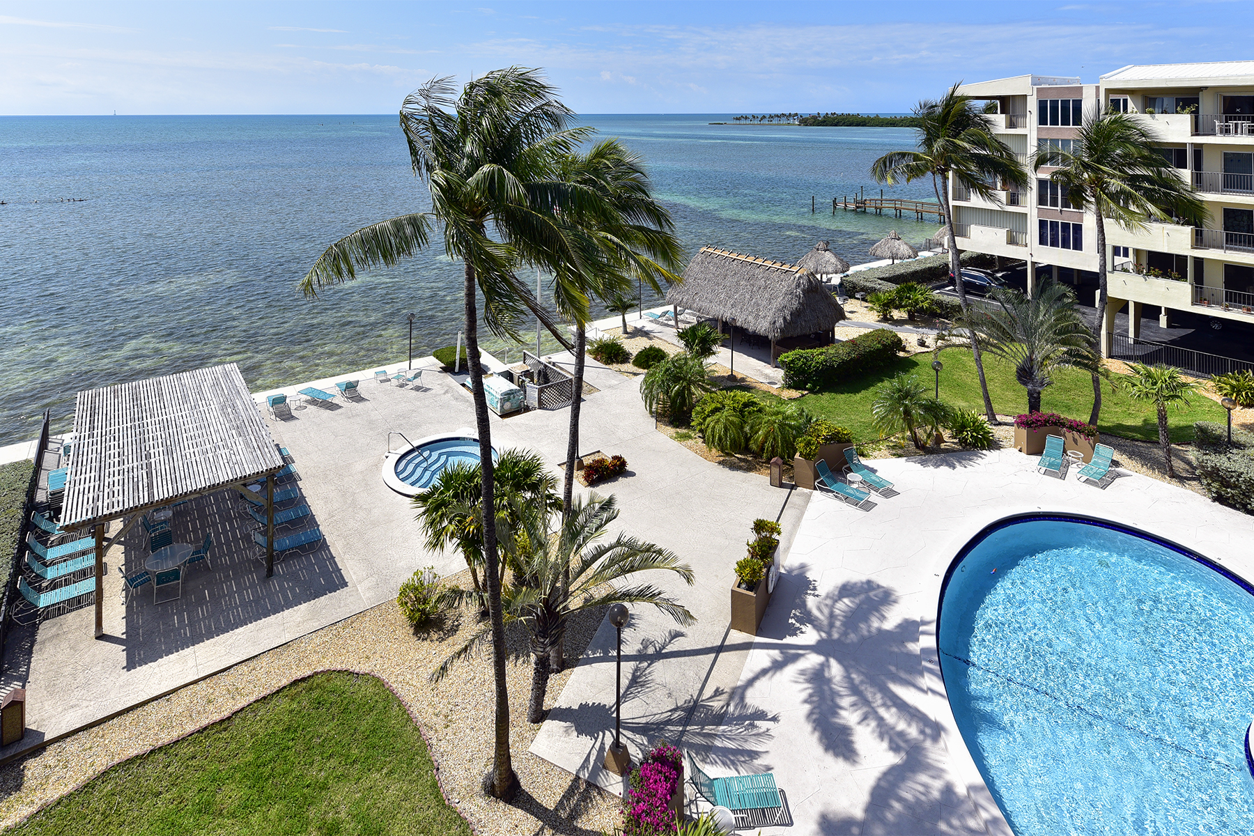 Additional photo for property listing at Oceanfront Complex 79901 Overseas Highway #519 Islamorada, Florida 33036 Stati Uniti