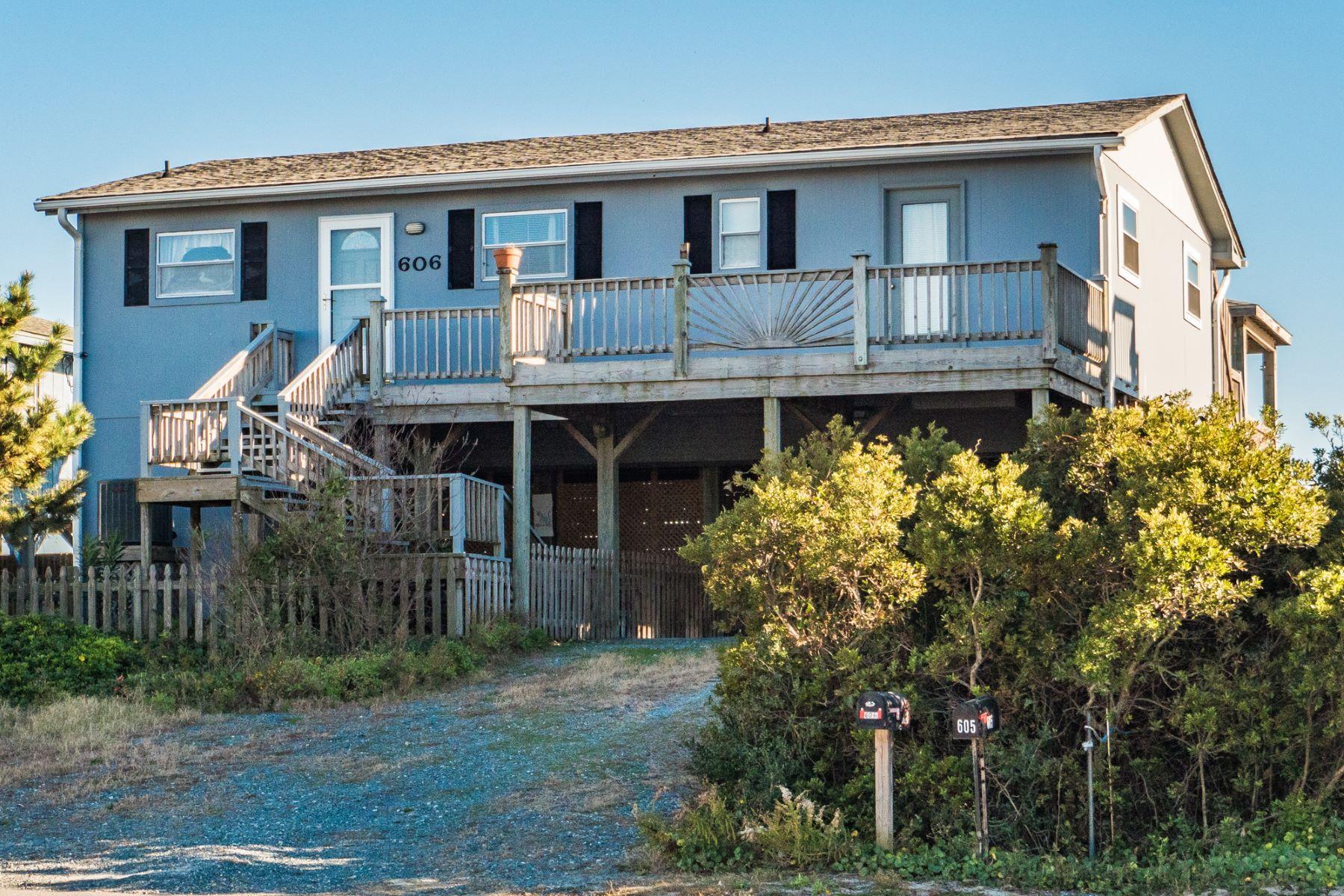 واحد منزل الأسرة للـ Sale في Classic Topsail Beach Cottage 606 N Shore Drive, Surf City, North Carolina, 28445 United States