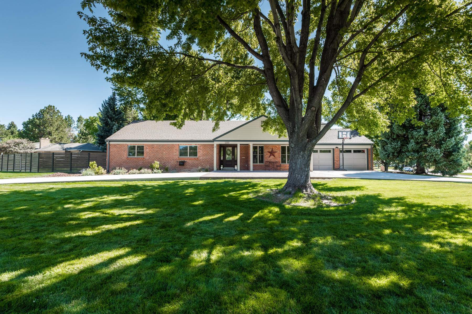 Single Family Home for Active at Set on a perfect half-acre in the heart of Cherry Hills! 3200 E Flora Pl Denver, Colorado 80210 United States