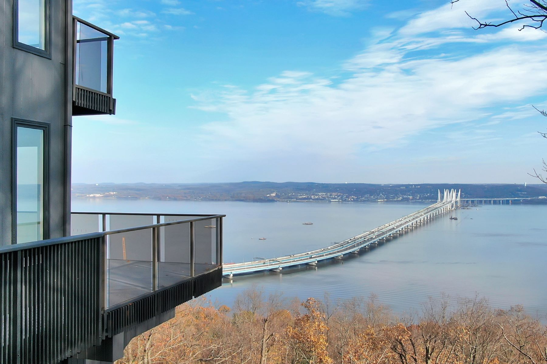 Single Family Homes for Sale at Inspirational Living with Hudson River Views 15 Tweed Blvd. Upper Grandview, New York 10960 United States