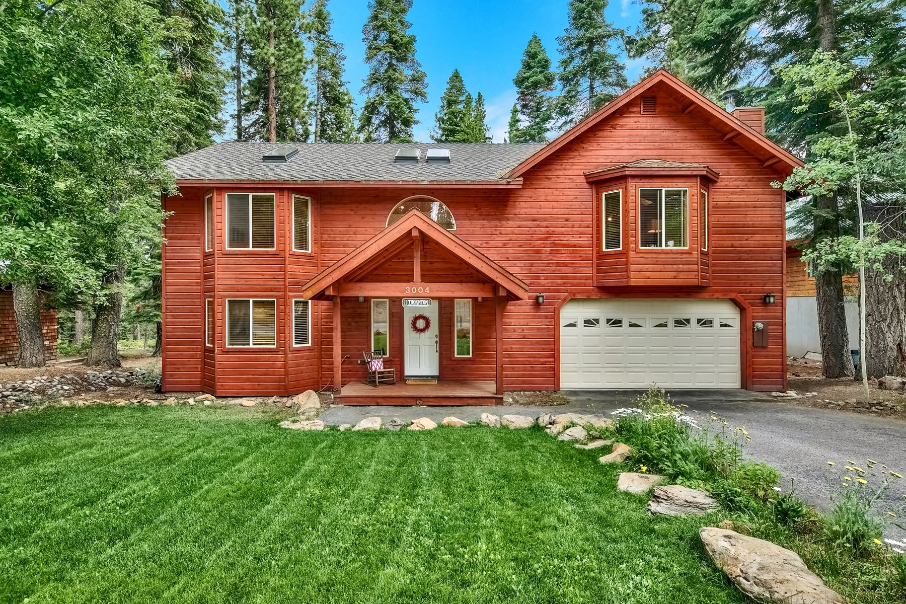 Single Family Homes por un Venta en 3004 Polaris Road, Tahoe City, CA 96145 3004 Polaris Road Tahoe City, California 96145 Estados Unidos