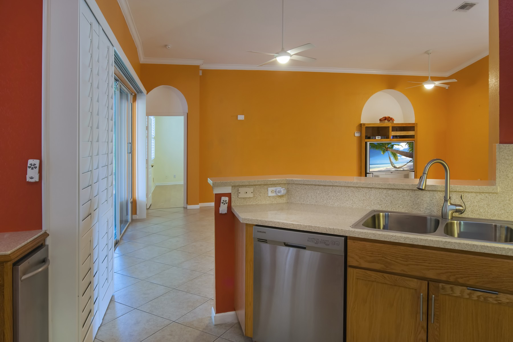 Additional photo for property listing at Lakefront Home in Gated Community 5411 Place Lake Drive Fort Pierce, Florida 34951 United States