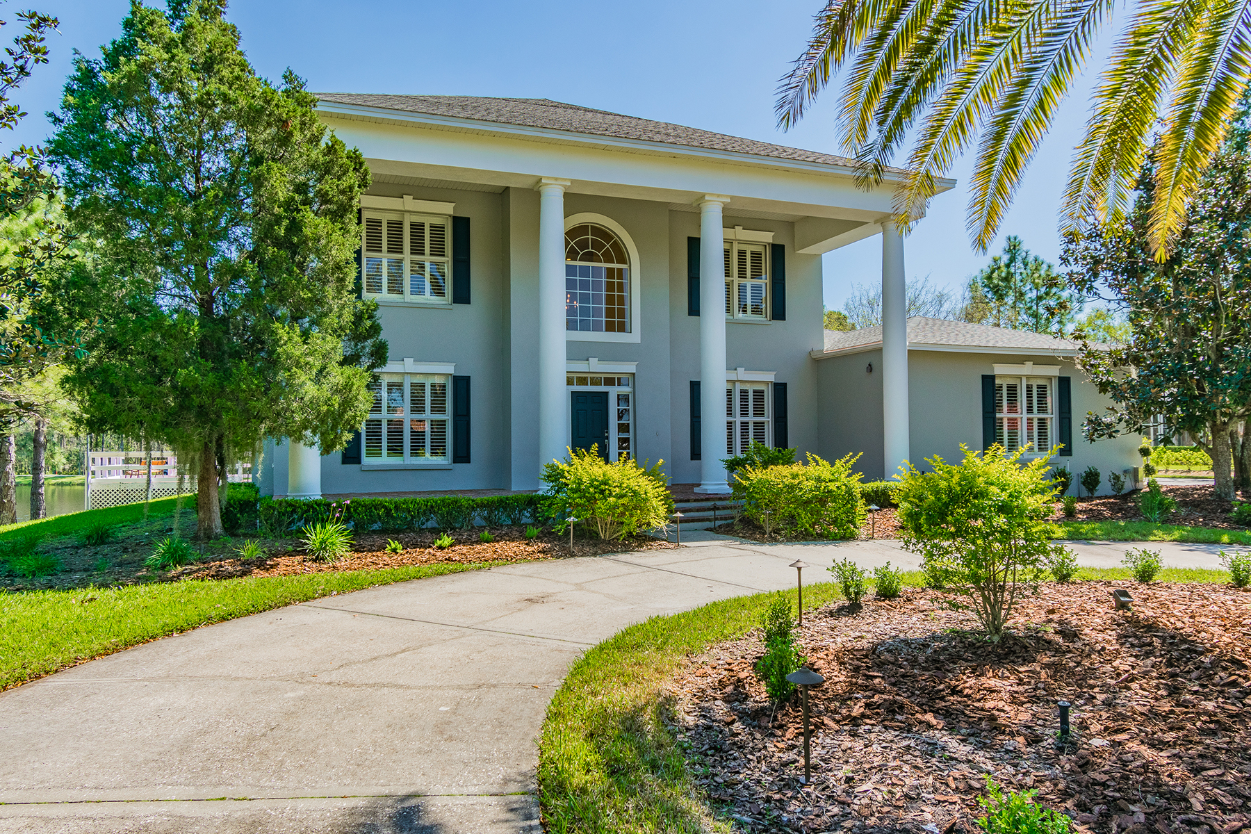 Single Family Homes for Active at 4530 Cheval Blvd Lutz, Florida 33558 United States