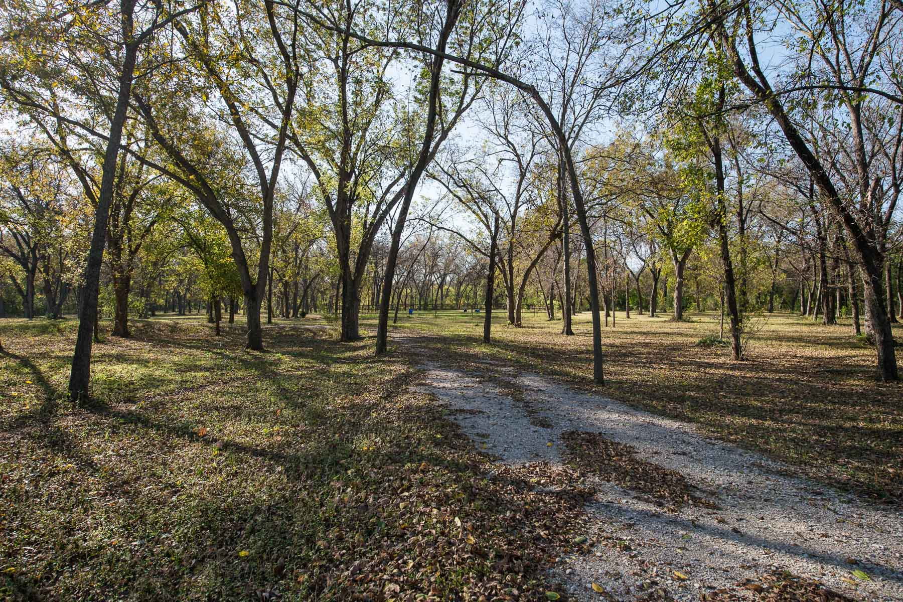 Land for Active at Eleven of the MOST GORGEOUS and ADMIRED ACRES in Colleyville 1905 Oak Knoll Drive Colleyville, Texas 76034 United States
