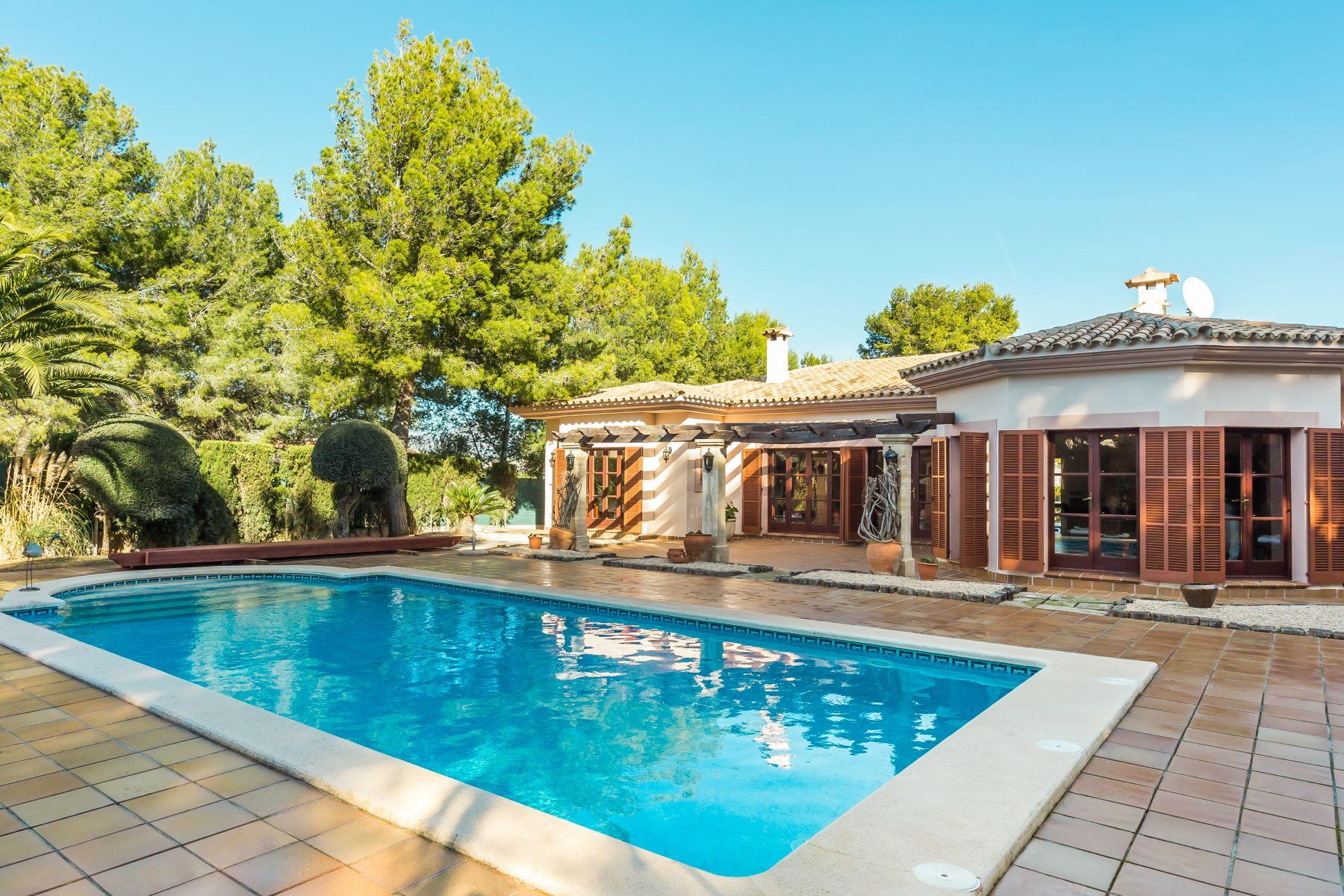 واحد منزل الأسرة للـ Sale في Lovely Mediterranean house perfect for families Santa Ponsa, Balearic Islands, Spain
