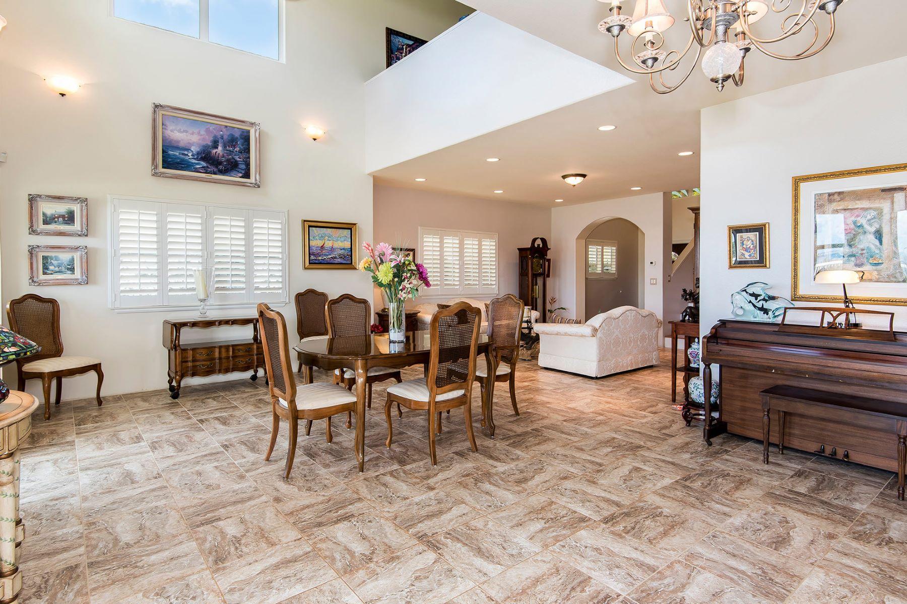 Maison unifamiliale pour l Vente à Golf Course and Ocean Views 45-165 Ikenakai St Kaneohe, Hawaii, 96744 États-Unis