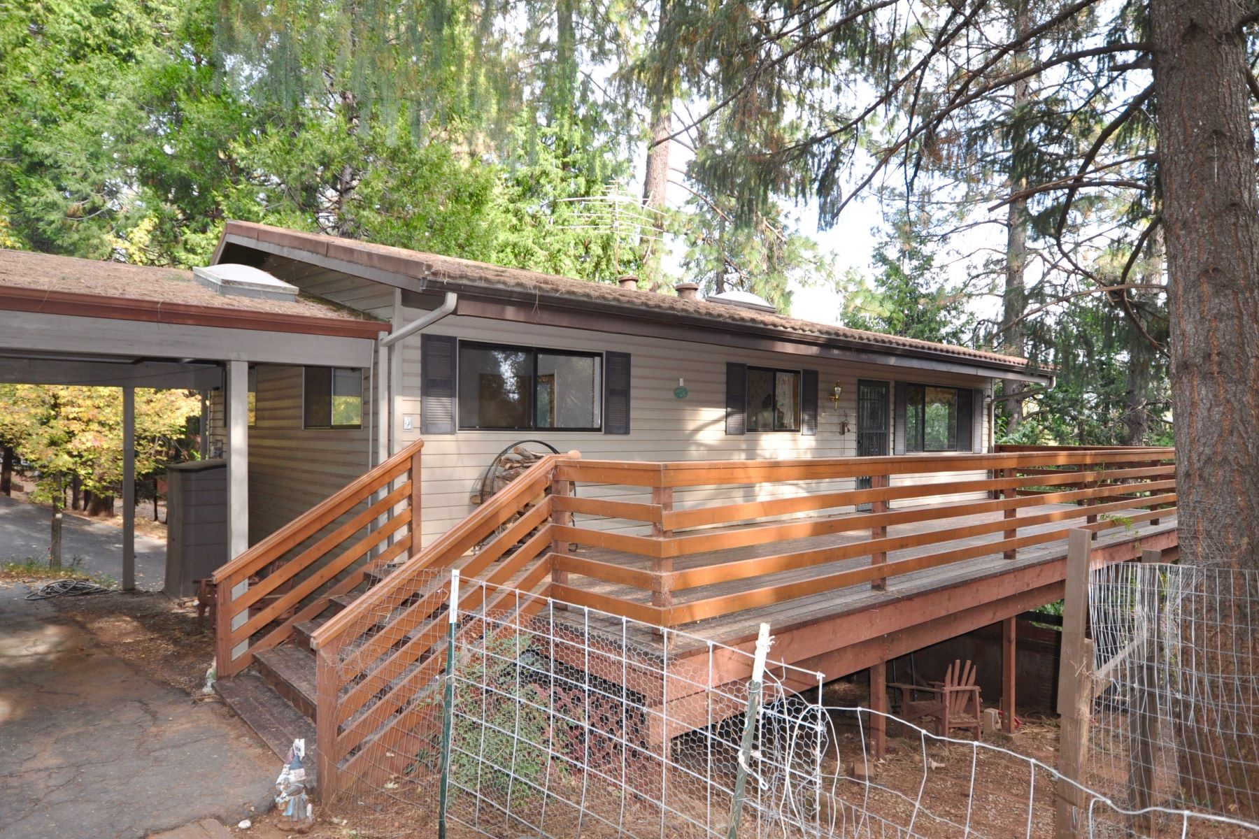 Additional photo for property listing at Experience Upcountry Living in Pioneer 16494 Cedar Heights Pioneer, Californie 95666 États-Unis