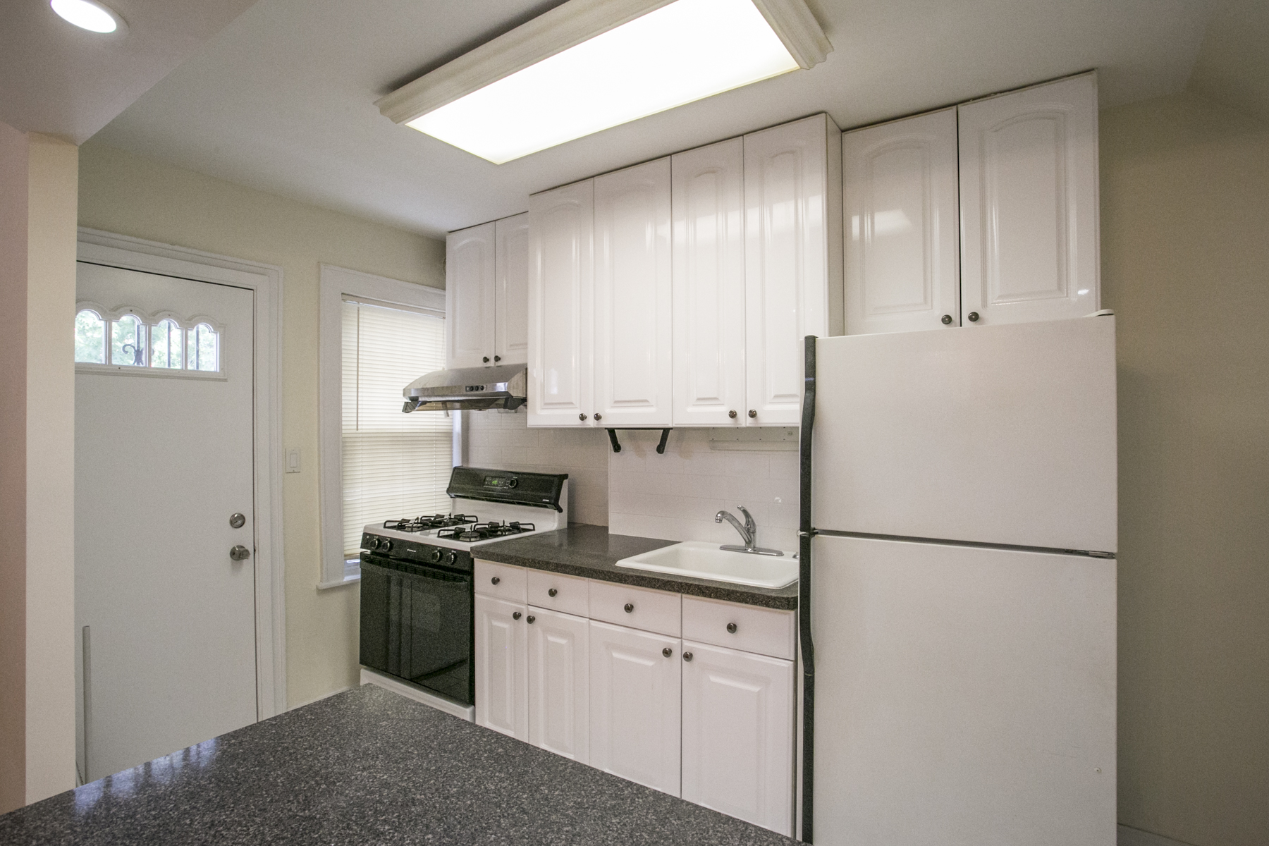 "Additional photo for property listing at ""RENOVATED TOWNHOUSE""  Forest Hills, New York FORES United States"
