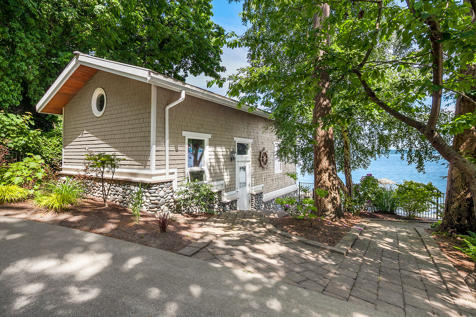 Additional photo for property listing at Private Palatial Waterfront 8415 SW Soper Road Vashon, Washington 98070 United States