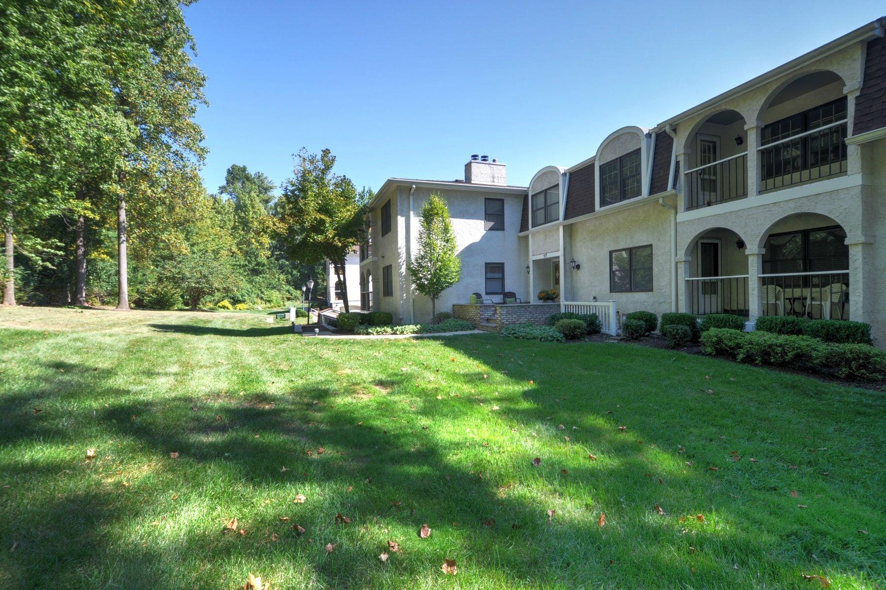 Appartement en copropriété pour l Vente à Spacious Bedford Model 17D Heritage Drive Chatham, New Jersey 07928 États-Unis