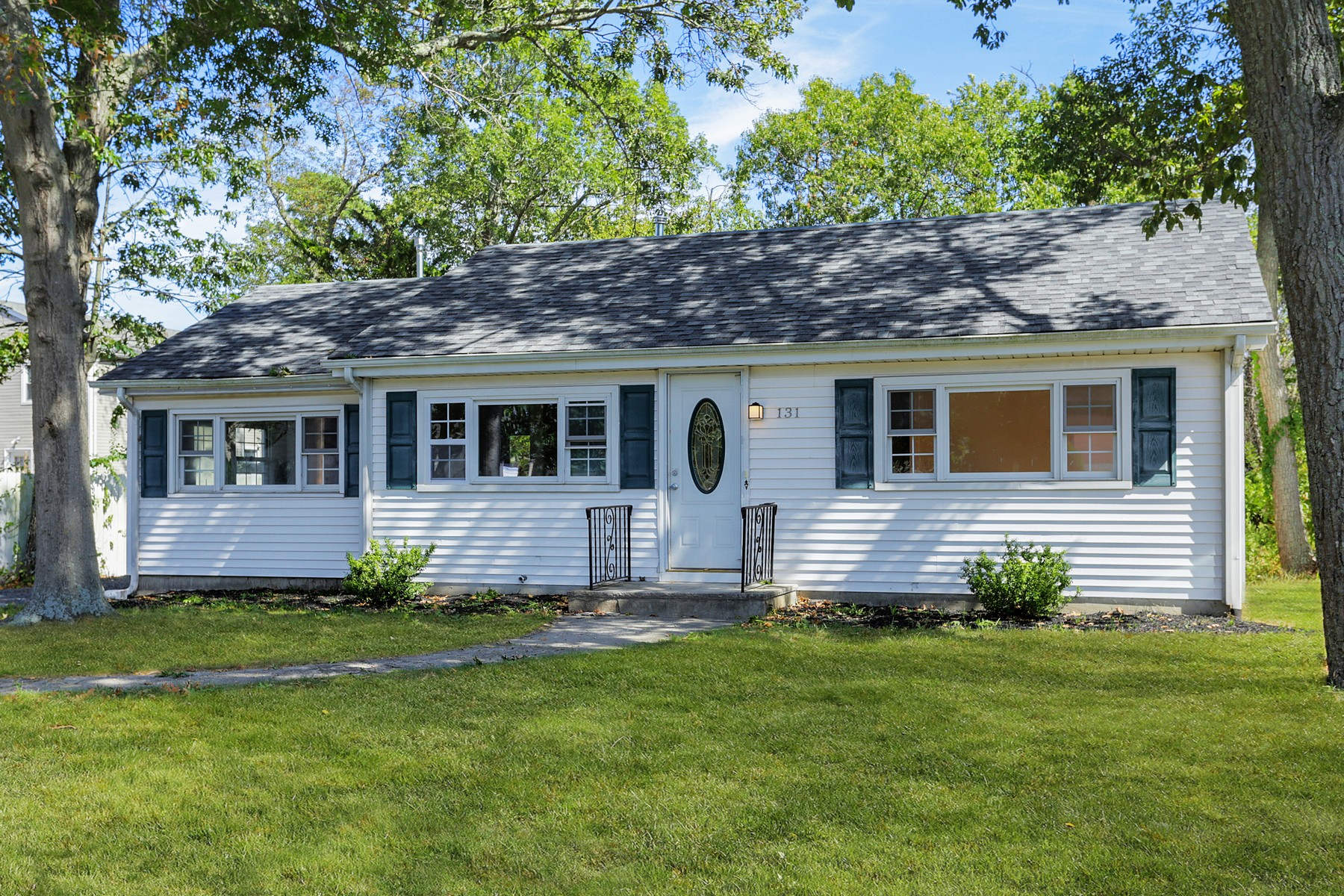 Single Family Homes for Sale at 131 Pine Needle Drive 131 Pine Needle Dr Toms River, New Jersey 08753 United States
