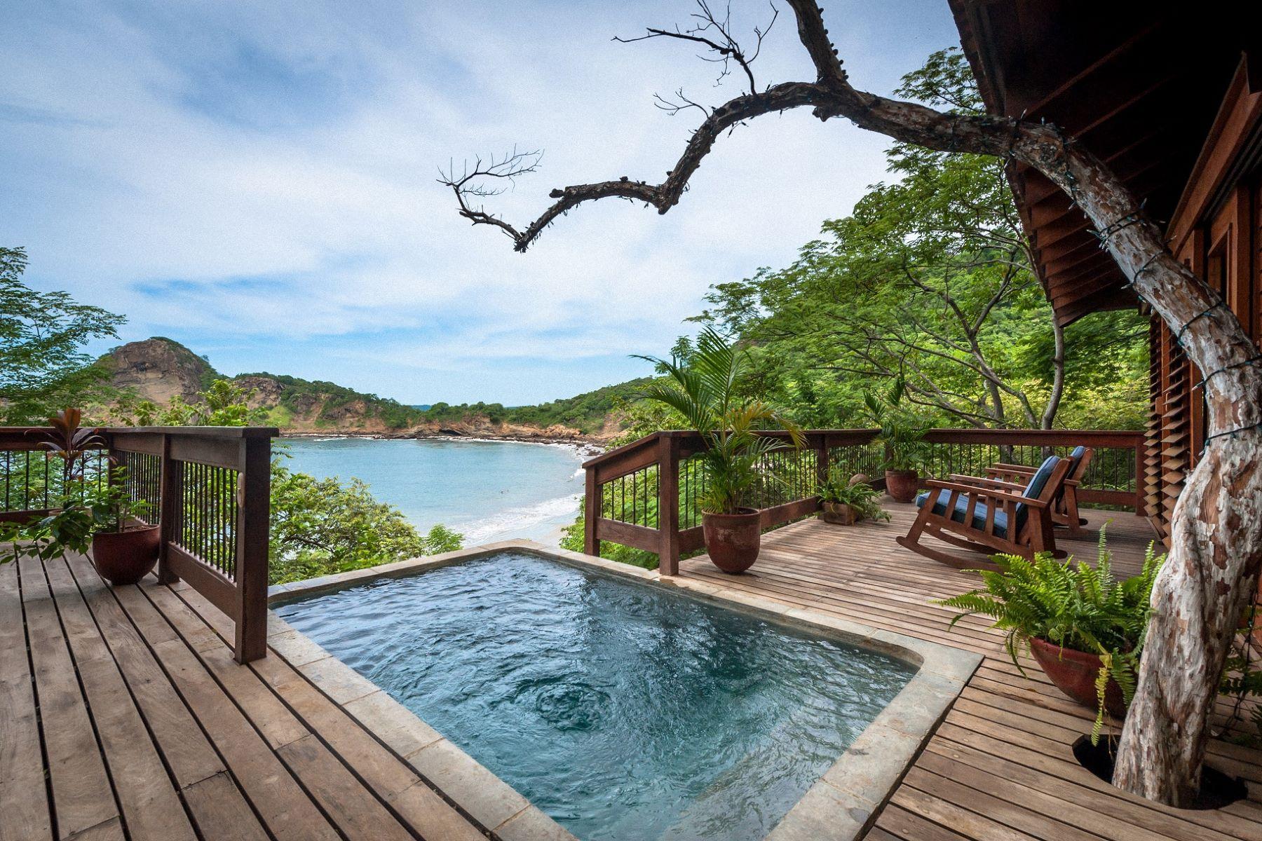 Appartement en copropriété pour l Vente à Luxury Treehouse Overlooking Pristine Beach Autres Rivas, Rivas, Nicaragua