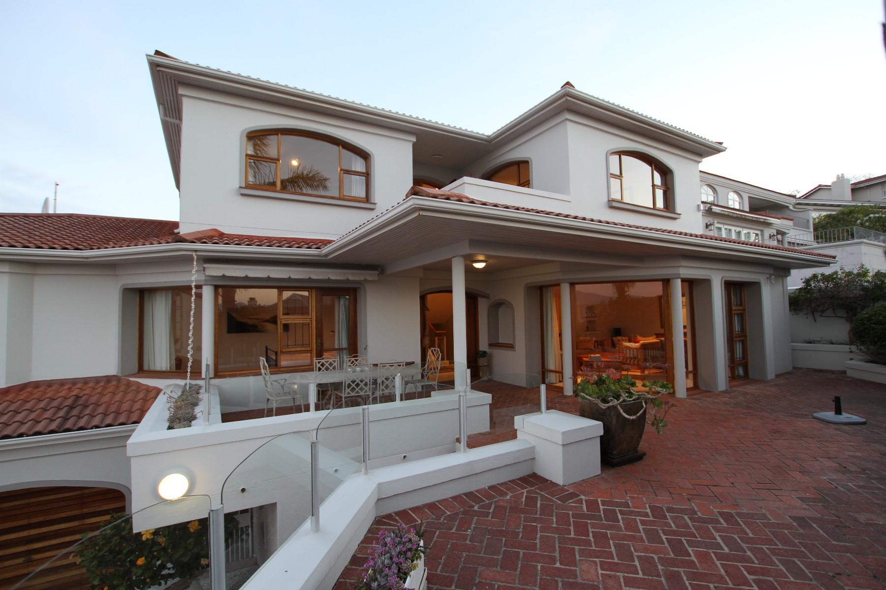 Moradia para Venda às Quality Family Home Plettenberg Bay, Western Cape, 6600 África Do Sul