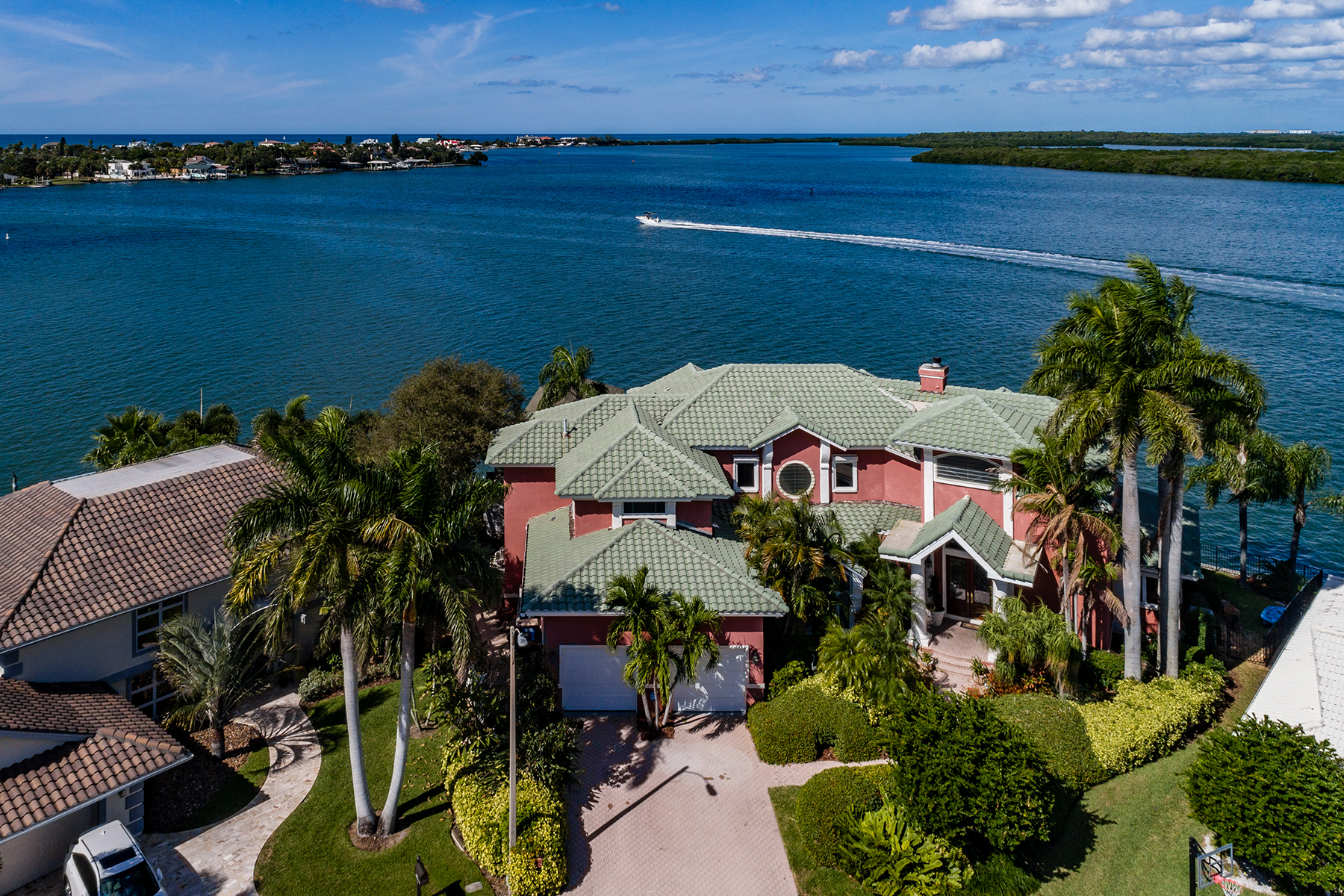 Single Family Homes for Sale at 900 Harbor Island Clearwater, Florida 33767 United States