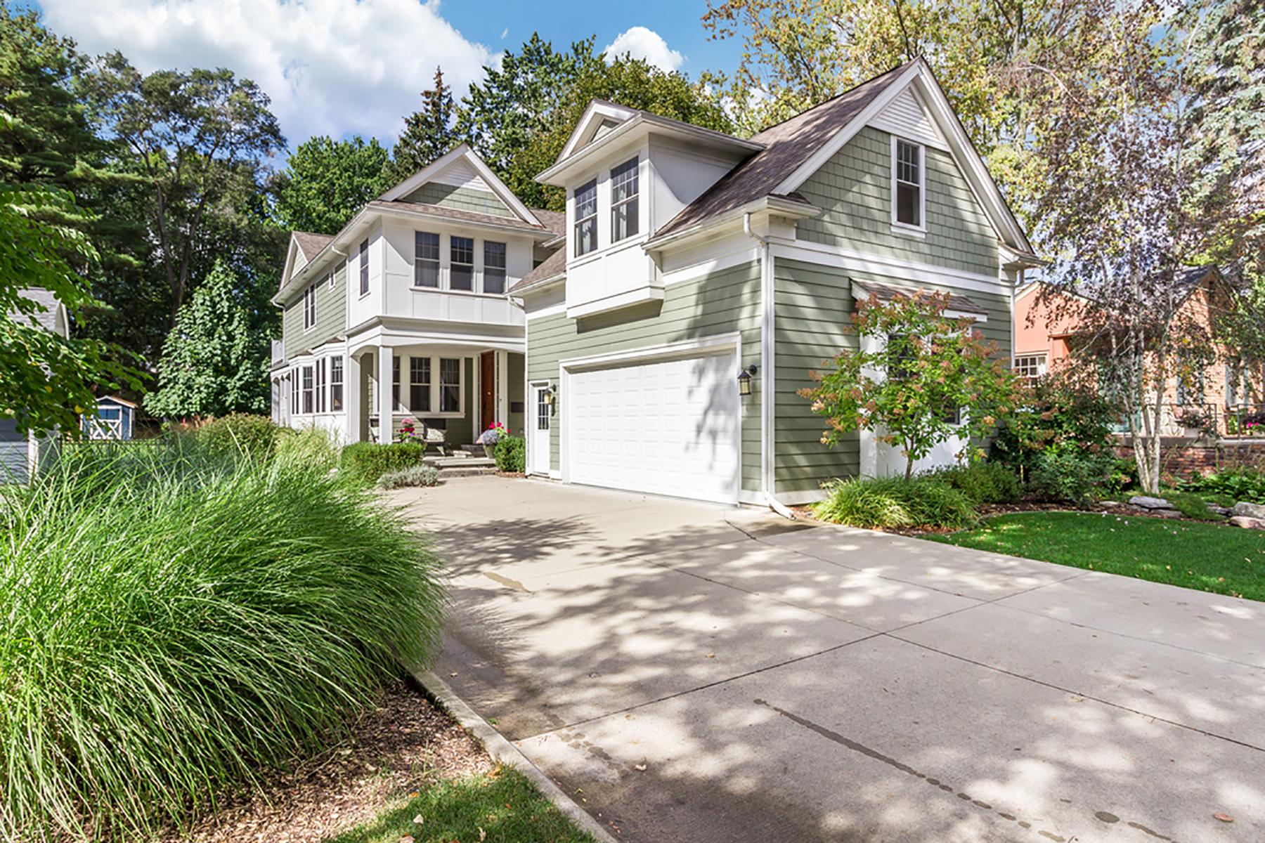 独户住宅 为 销售 在 Rochester 533 Wilcox Street, 罗契斯特市, 密歇根州, 48307 美国