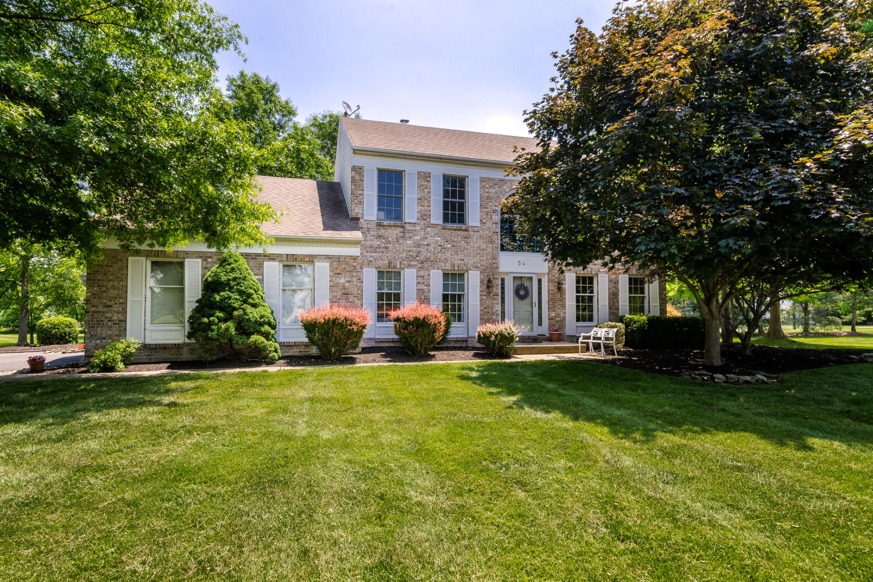 Property für Verkauf beim A True Home in Every Wonderful Way 34 Reed Drive South, West Windsor, New Jersey 08550 Vereinigte Staaten