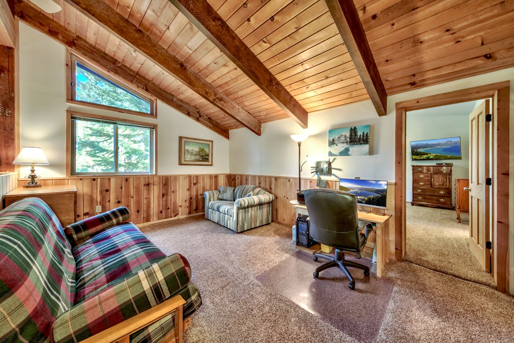 Additional photo for property listing at 1652 Hekpa Drive, South Lake Tahoe, CA 96150 1652 Hekpa Drive 南太浩湖, 加利福尼亚州 91650 美国