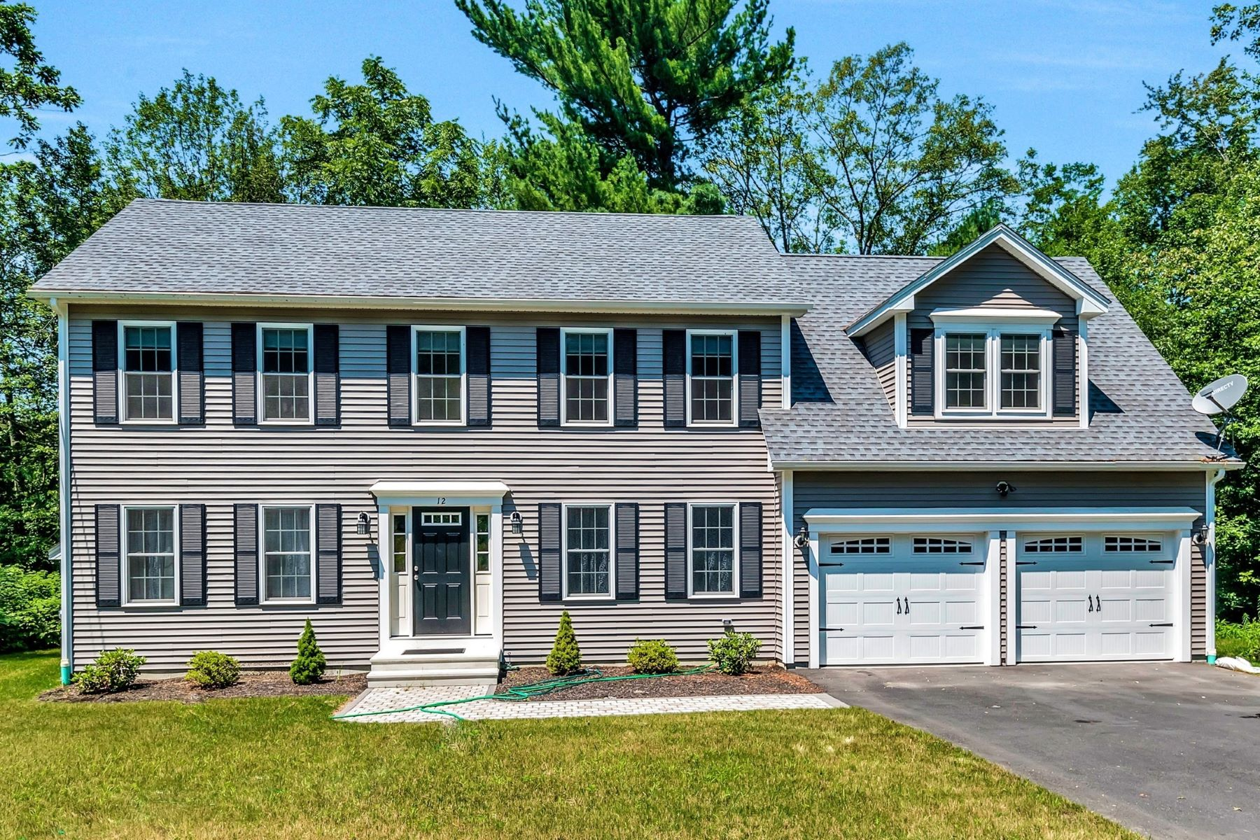Single Family Home for Sale at Sun Filled Inviting Colonial 12 Bicknell Road North Grafton, Massachusetts 01536 United States