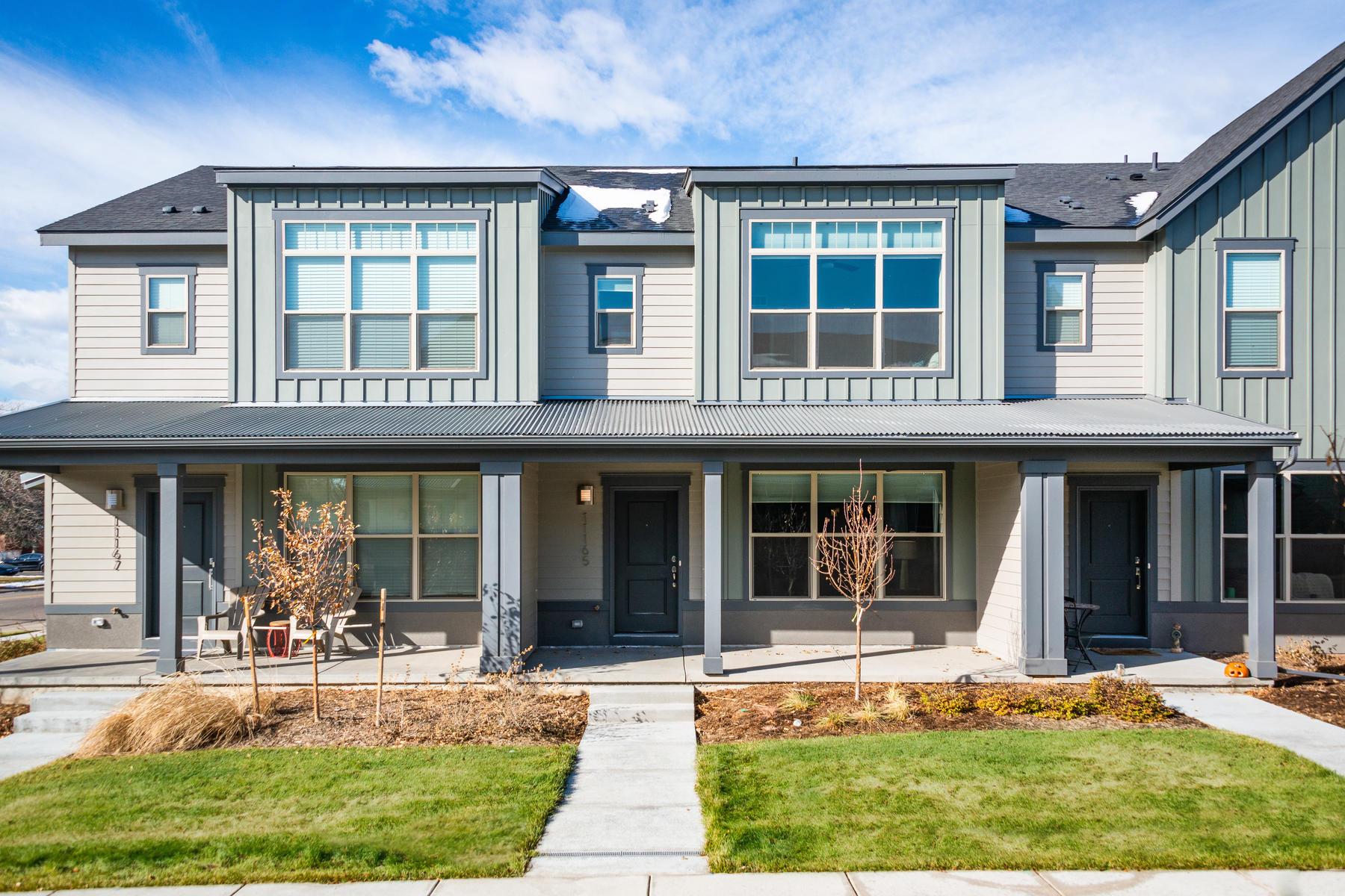 townhouses for Sale at Wonderful Turn-Key Stapleton Row Home 11165 E 25th Avenue Aurora, Colorado 80010 United States