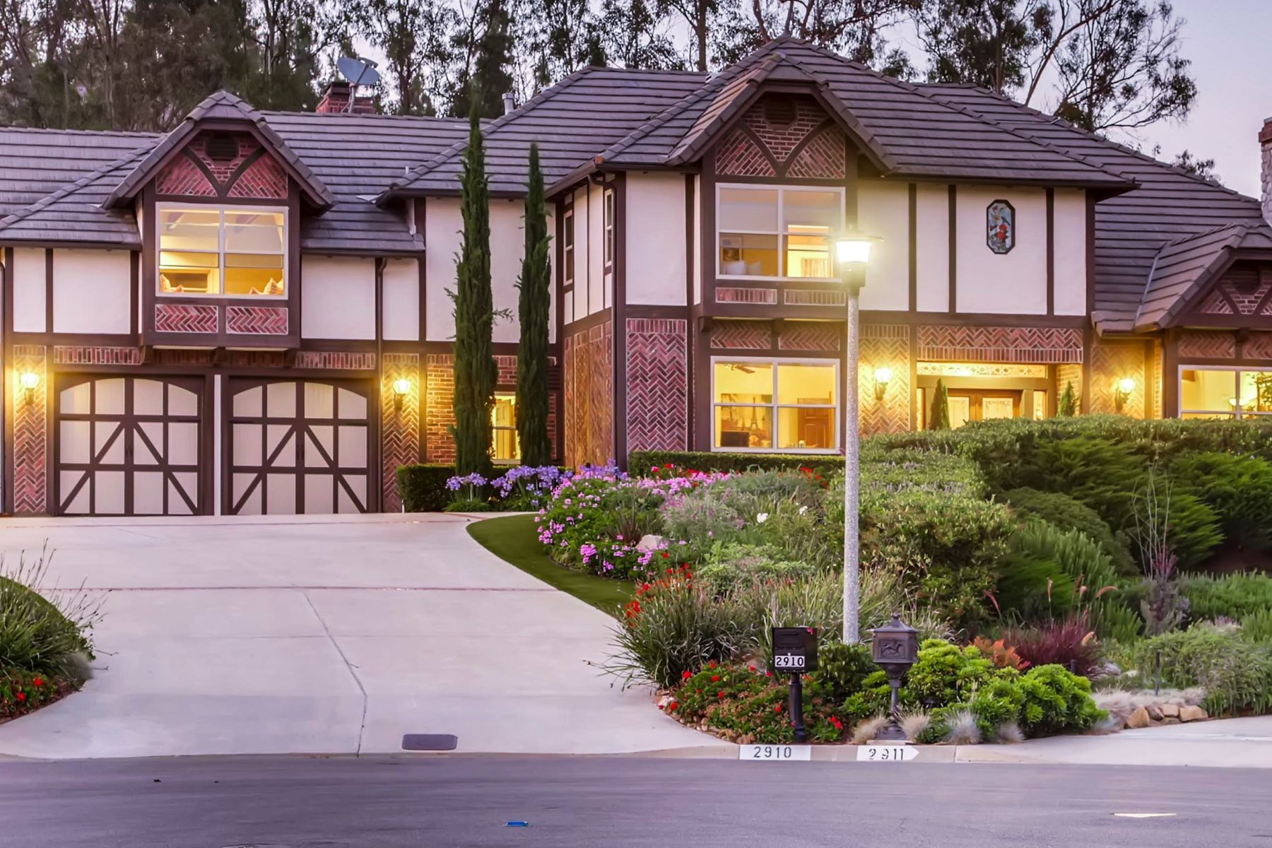 Single Family Homes for Active at 2910 Candil Place Carlsbad, California 92009 United States