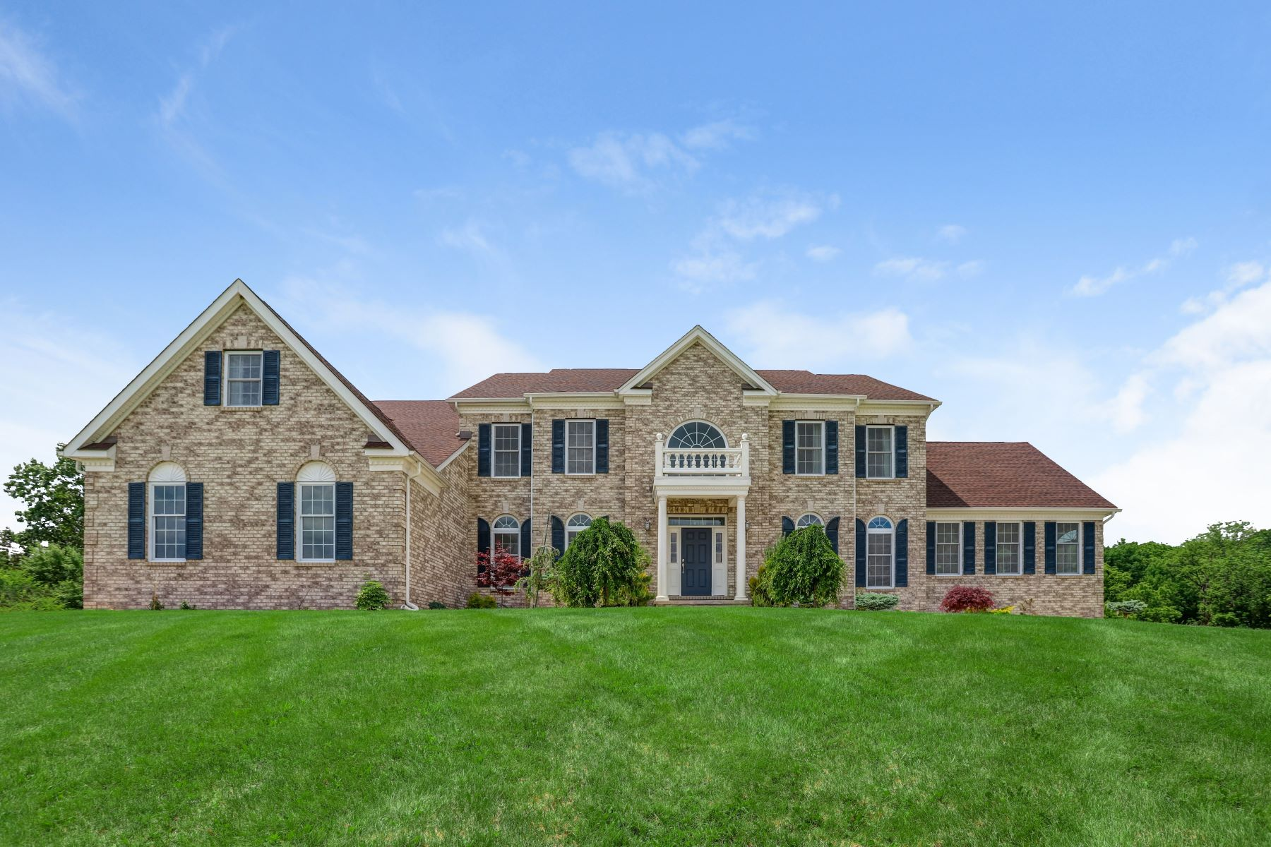 Single Family Homes for Sale at Gorgeous Chapel Hill Estate 15 Chapel Hill Court Sparta, New Jersey 07871 United States