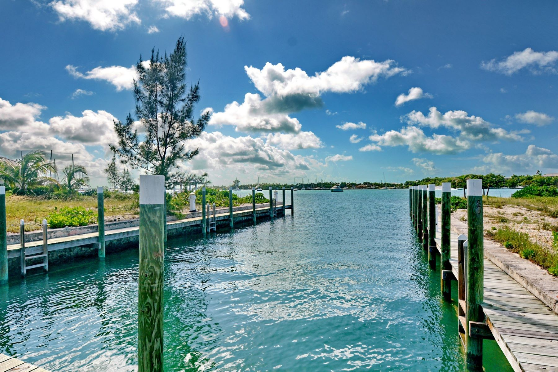 Additional photo for property listing at Royal Harbour #27 Royal Harbour #27 Marsh Harbour, Abaco . Bahamas