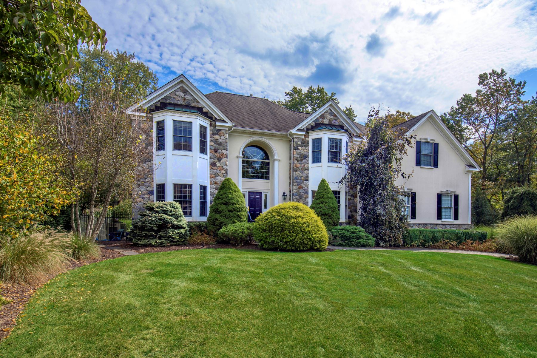 Single Family Homes for Active at Elegant Custom Colonial 24 Morrison Street Basking Ridge, New Jersey 07920 United States