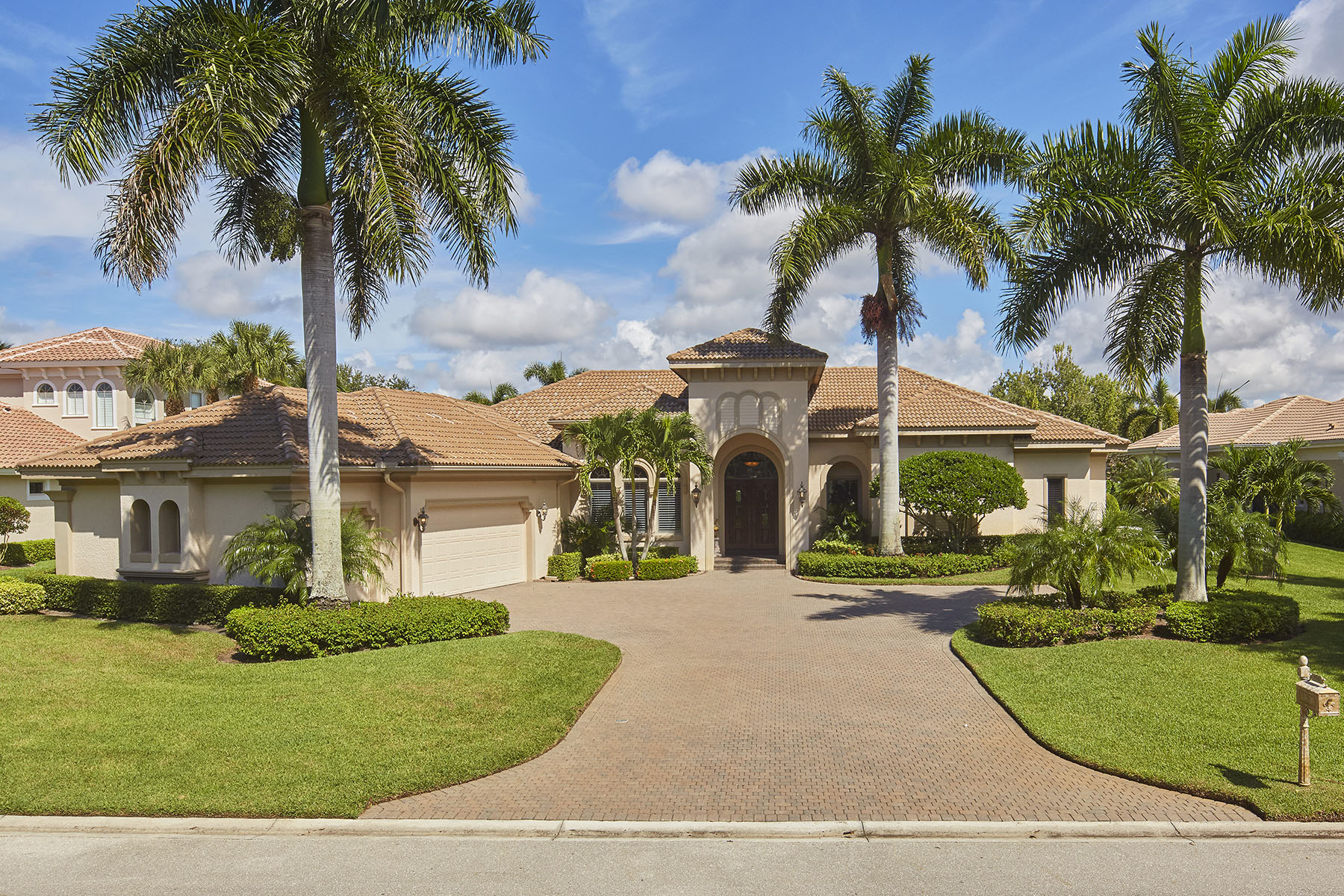 Single Family Homes for Sale at SHADOW WOOD - LAKE FOREST 9580 Lakebend Preserve Court Estero, Florida 34135 United States