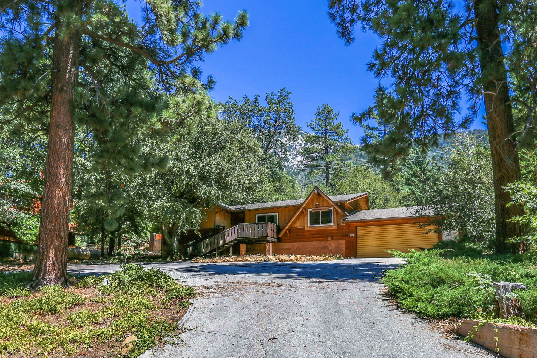 Single Family Homes for Sale at 25440 Rim Rock Road 25440 Rim Rock Rd Idyllwild, California 92549 United States