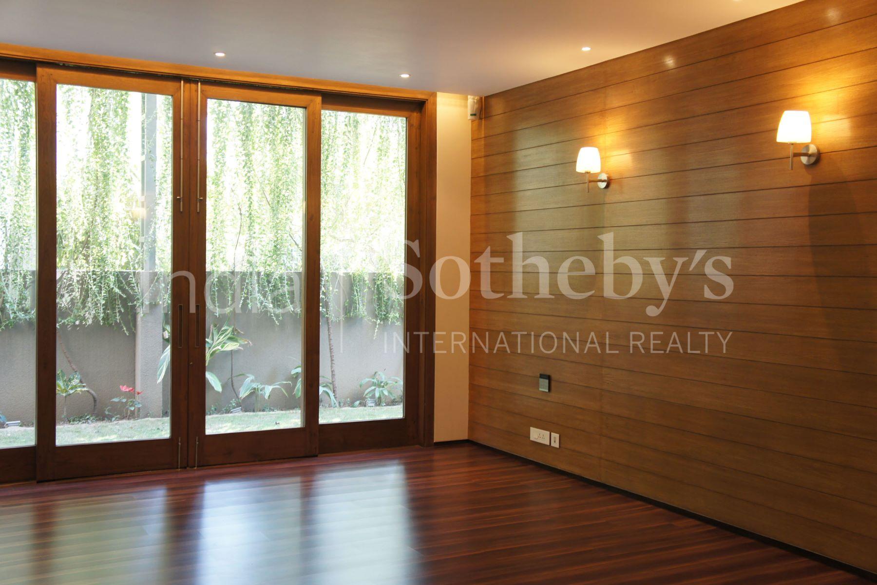 公寓 为 销售 在 Greater Kailash I-Grand Apartment Greater Kailash - I 新德里, 德里, 110048 印度