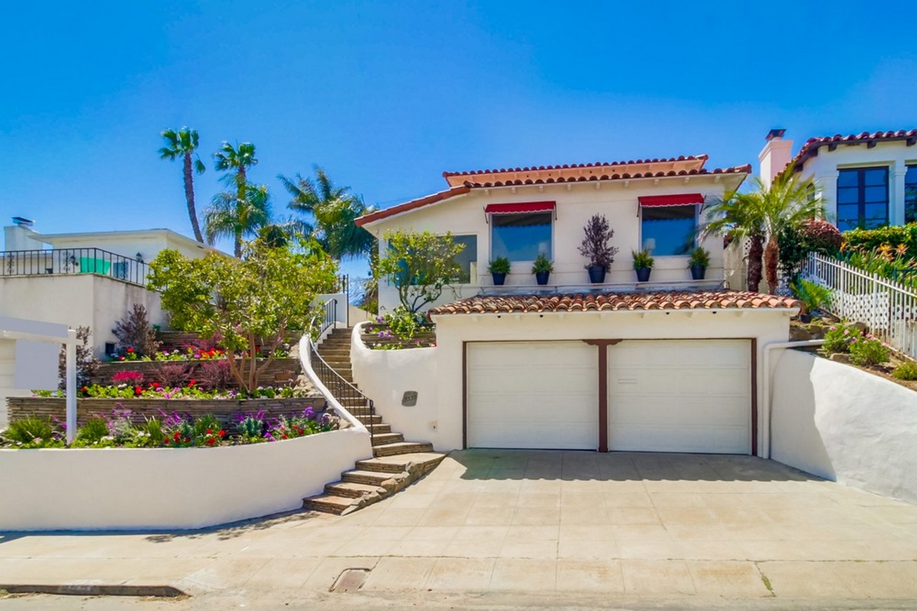 Single Family Home for Sale at 3335 Dumas St San Diego, California 92106 United States