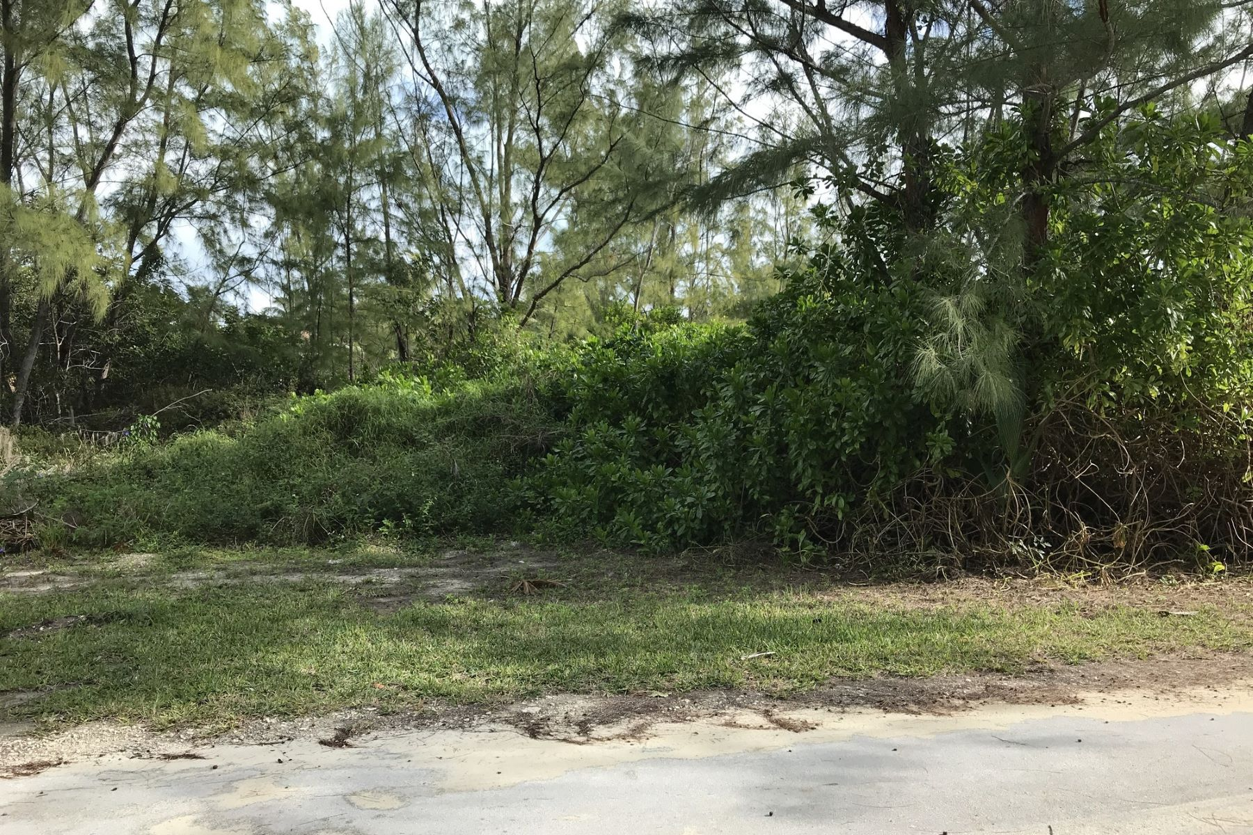 Land for Sale at Lot 17, Block 186 Treasure Cay, Abaco Bahamas