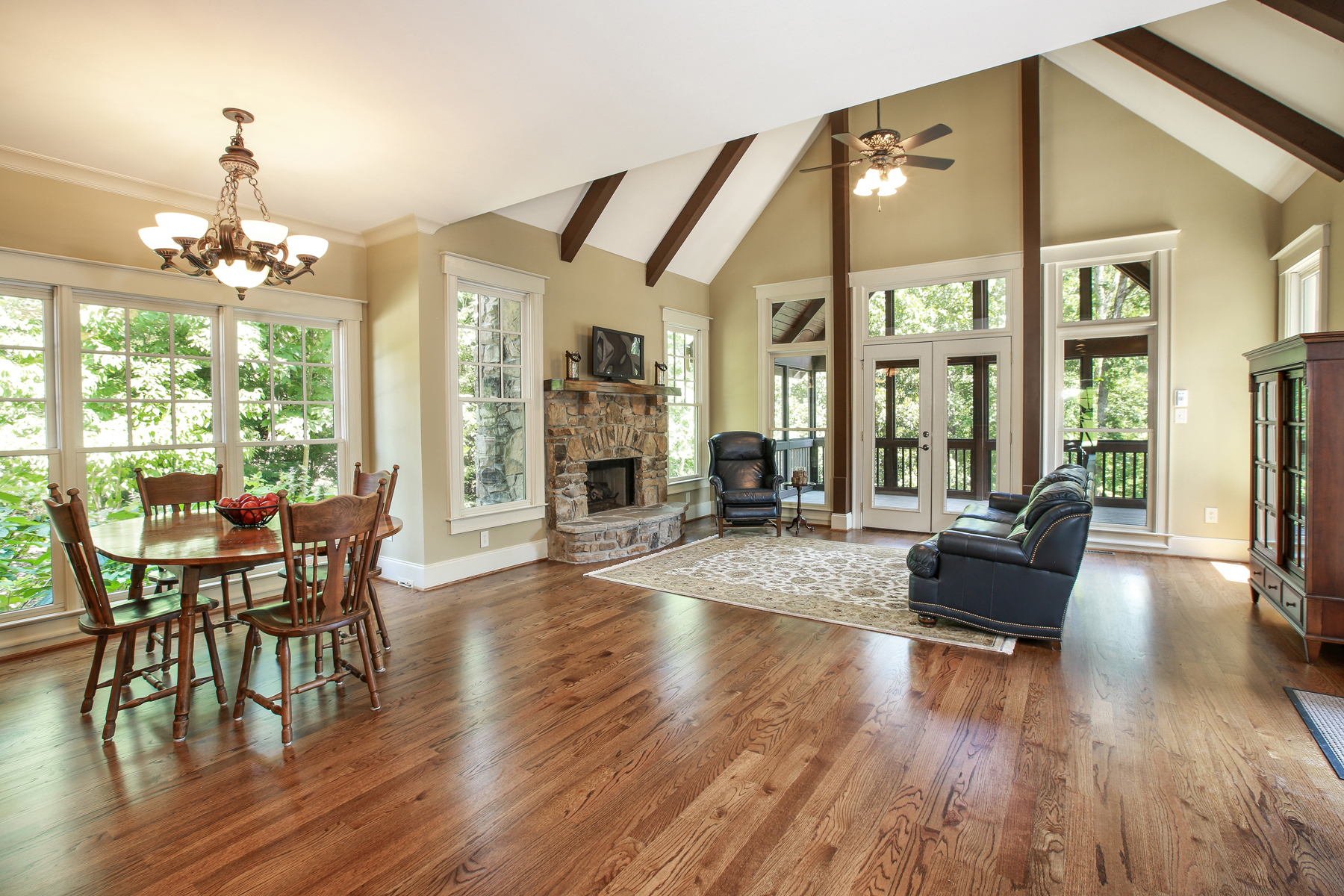 Additional photo for property listing at Comfortable Craftsman-Style Home On Private Wooded Lot 16066 Inverness Trail Milton, Georgia 30004 United States