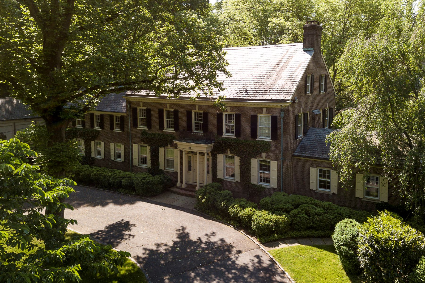 Additional photo for property listing at A Warm and Noble Presence in the Western Section 80 Westcott Road, Princeton, New Jersey 08540 United States