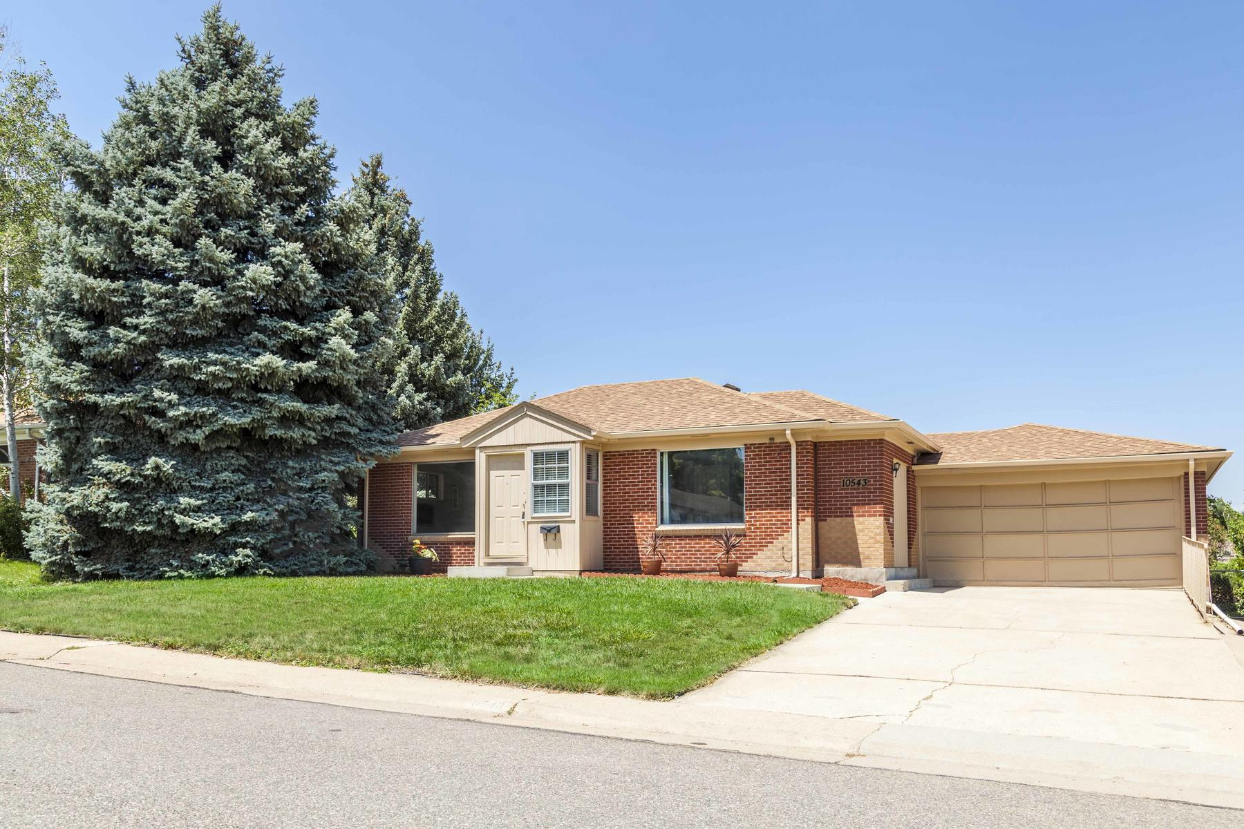Single Family Home for Active at This Is The Perfect Home! 10543 Washington Way Northglenn, Colorado 80233 United States