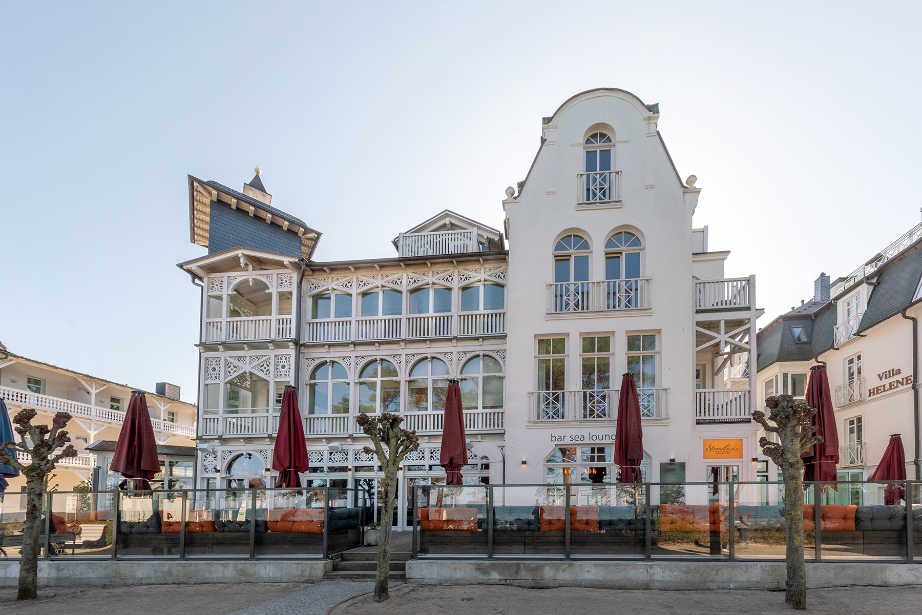 Additional photo for property listing at Preciousness in Prime Location with Sea View Binz Strandpromenade 47 Other Mecklenburg-West Pomerania, Mecklenburg-West Pomerania 18609 Germany